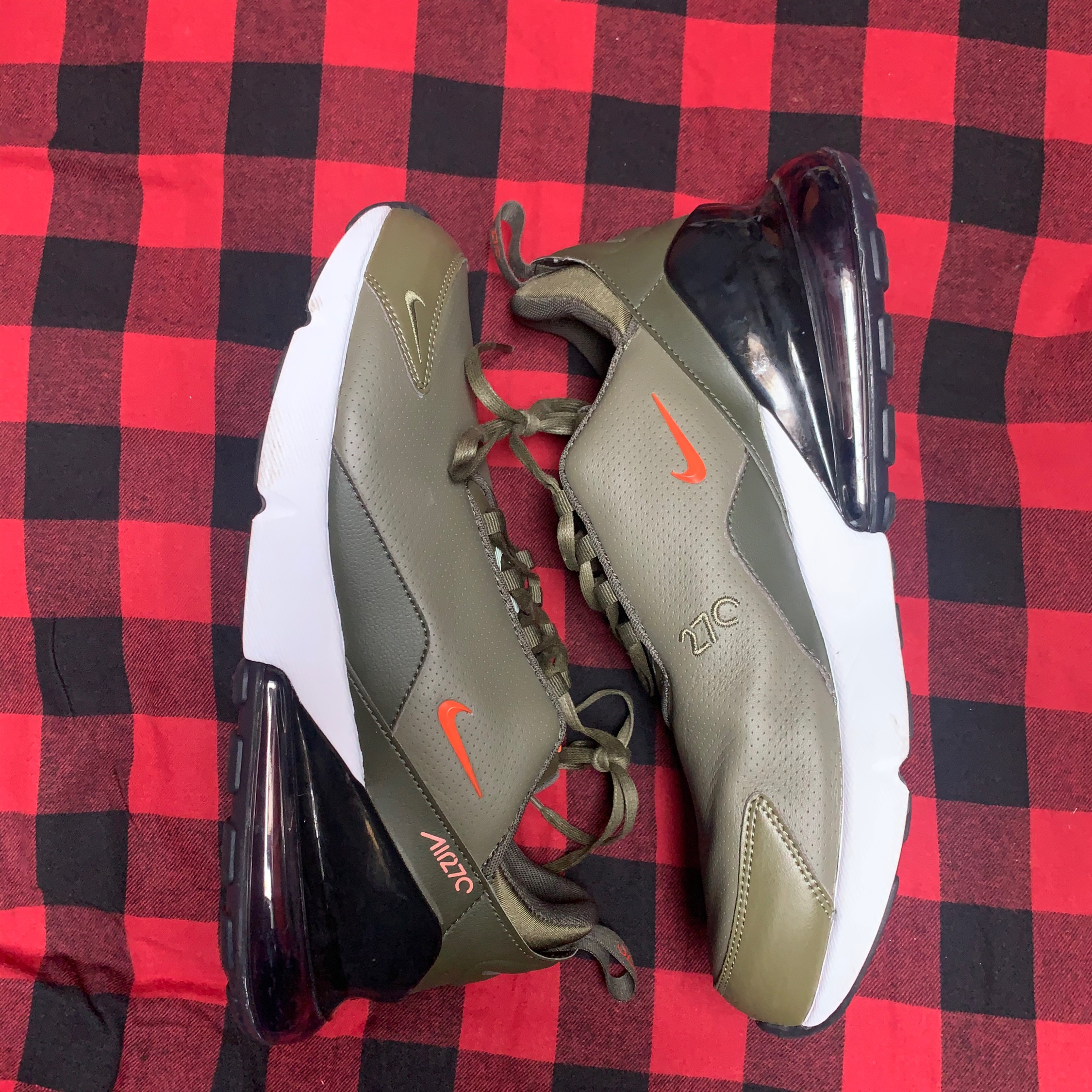 Nike Air Max 270 Olive Leather Size 12.5