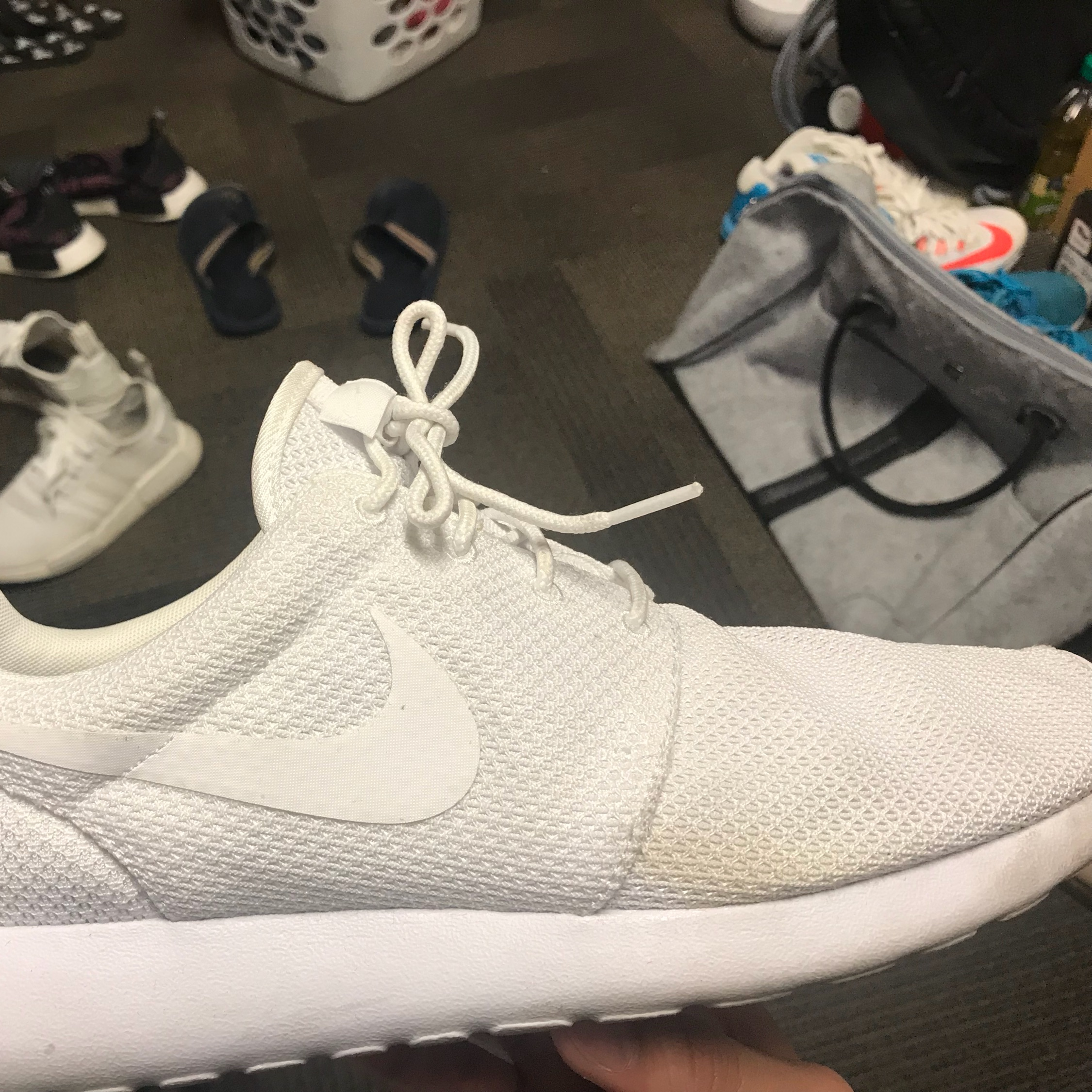 cleaning white roshes