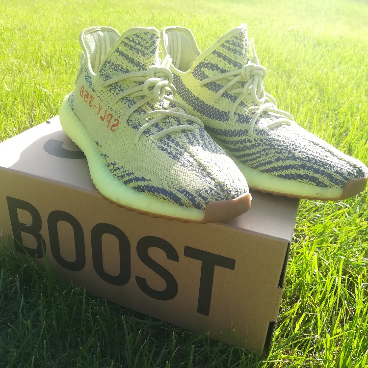 online store 0b441 41097 Adidas Yeezy Boost 350 V2 Frozen Yellow