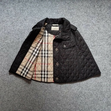 Burberry London Quilted Nova Cape Poncho Jack