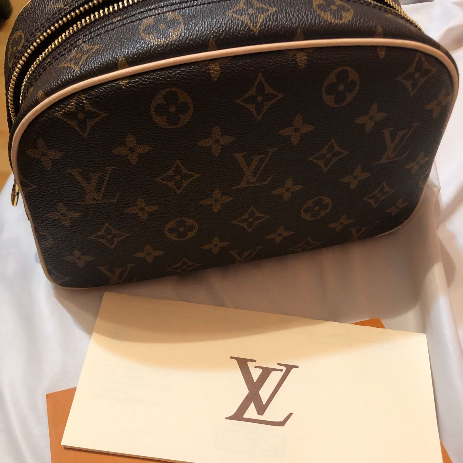 Louis Vuitton 25 Toiletry Bag All items come with louis vuitton original paper shopping bag, yellow dust bag, serial number, authenticity card. louis vuitton 25 toiletry bag