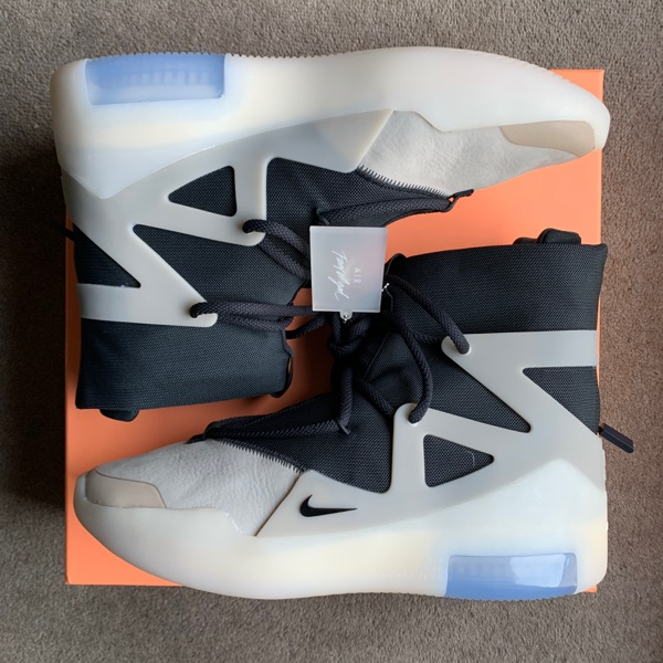 "Nike Fear Of God 1 String ""The Question"""