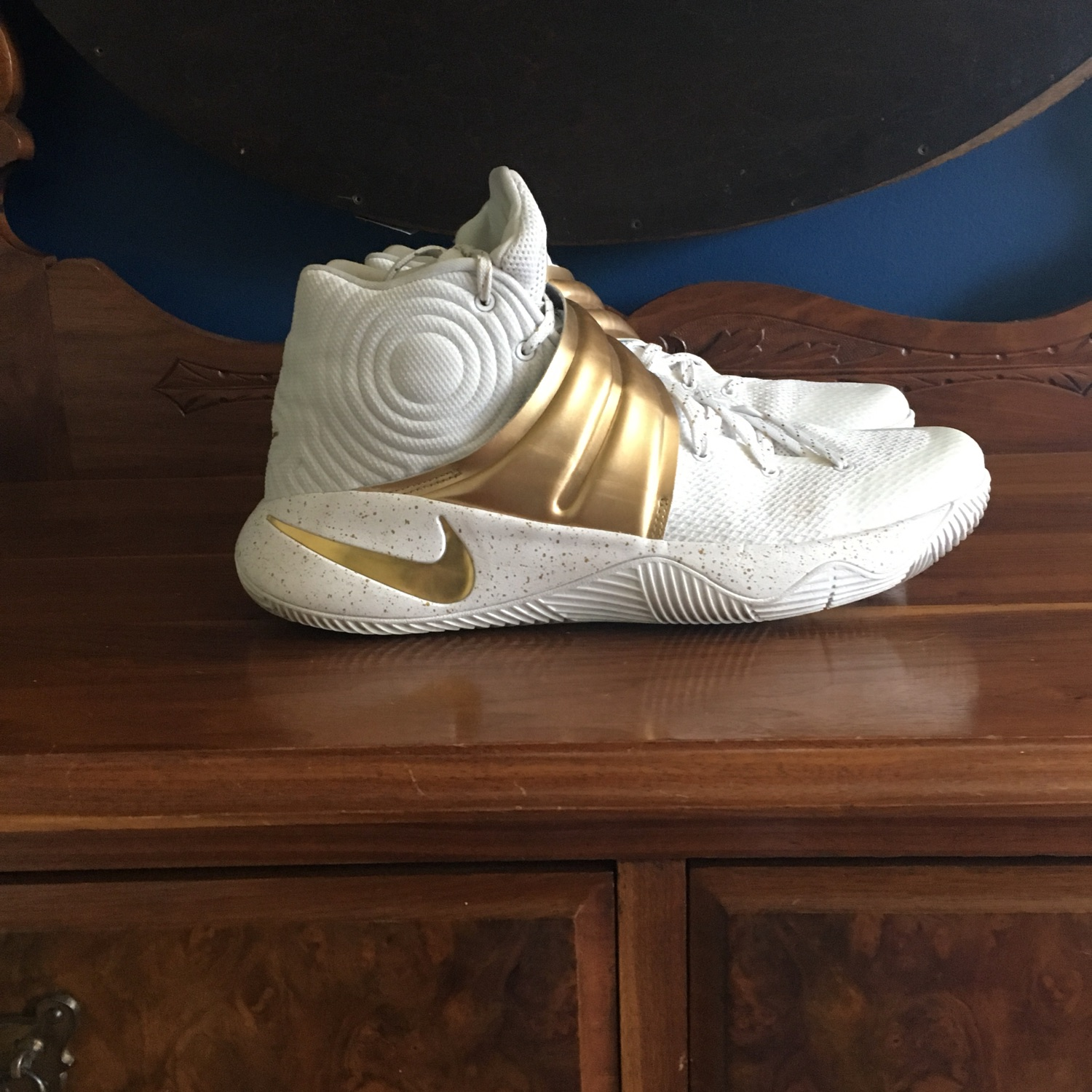 premium selection a61b4 f474a Nike Id Kyrie 2 White / Gold Size 11.5