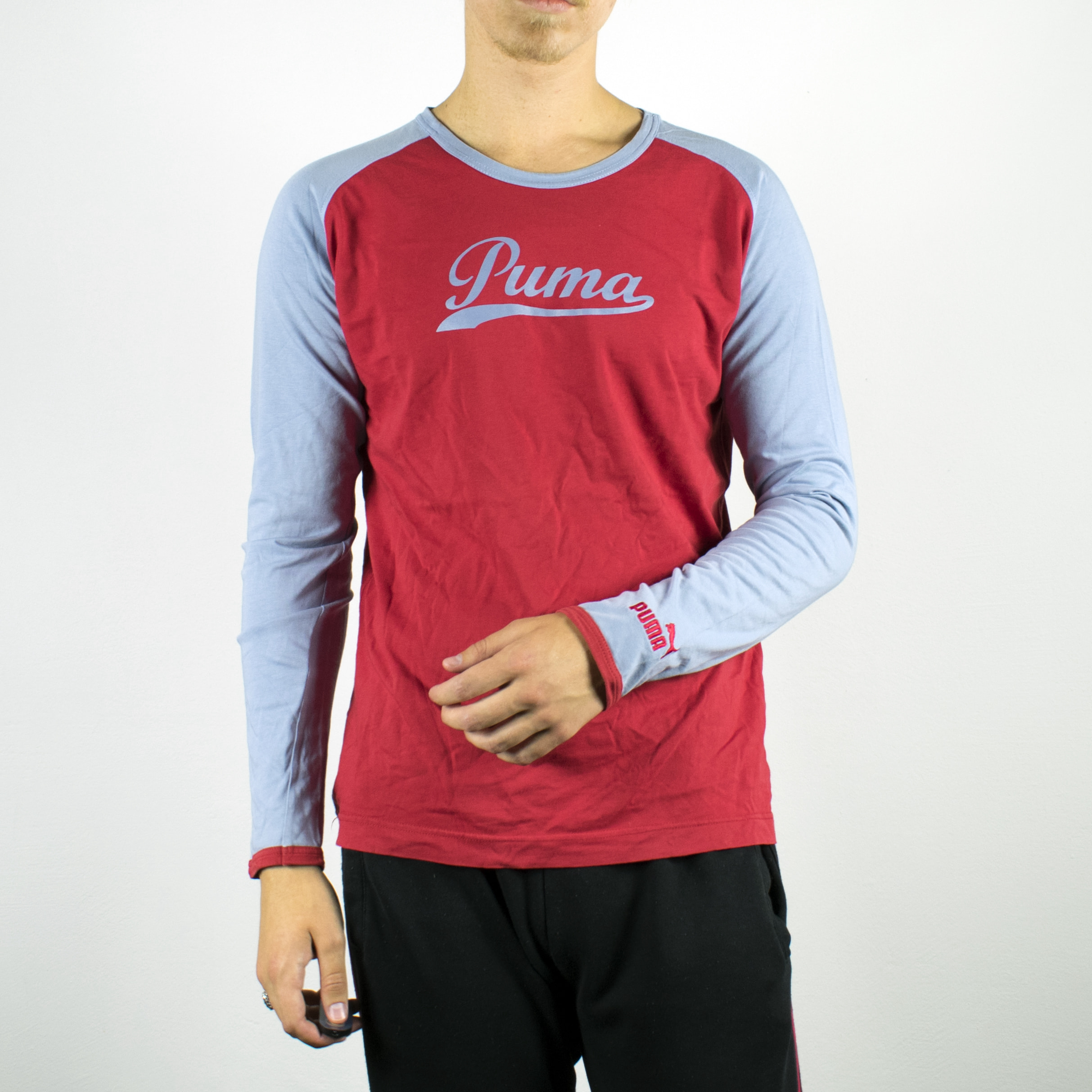 Unisex Vintage Puma sweatshirt in red and light blue has a spellout on the front size L