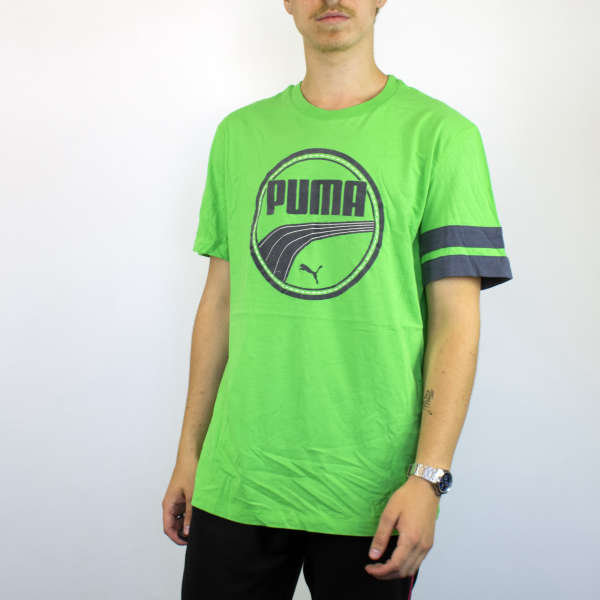 Vintage Puma t-shirt top blouse tee in green