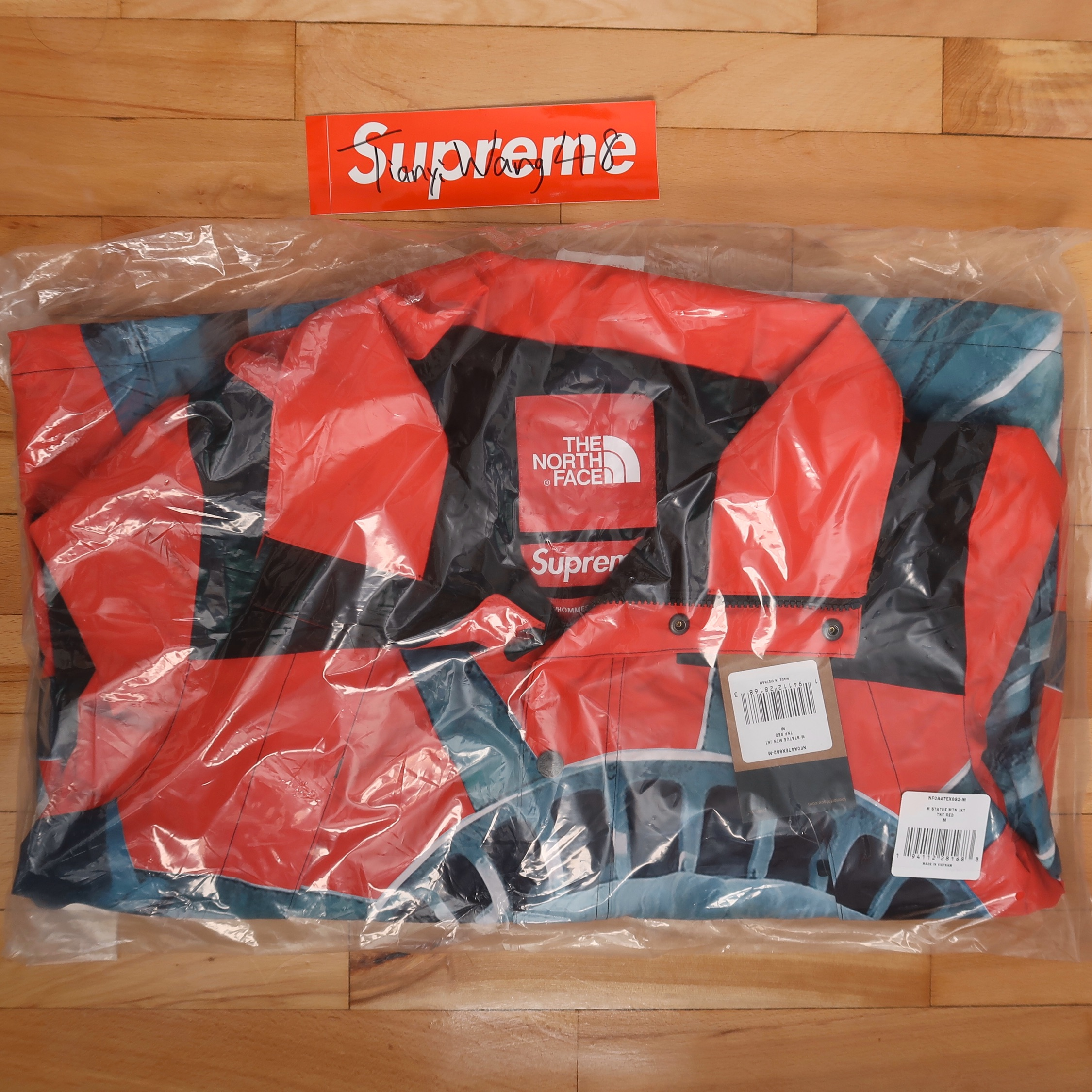 Supreme Tnf Statue Of Liberty Mountain Jacket Red