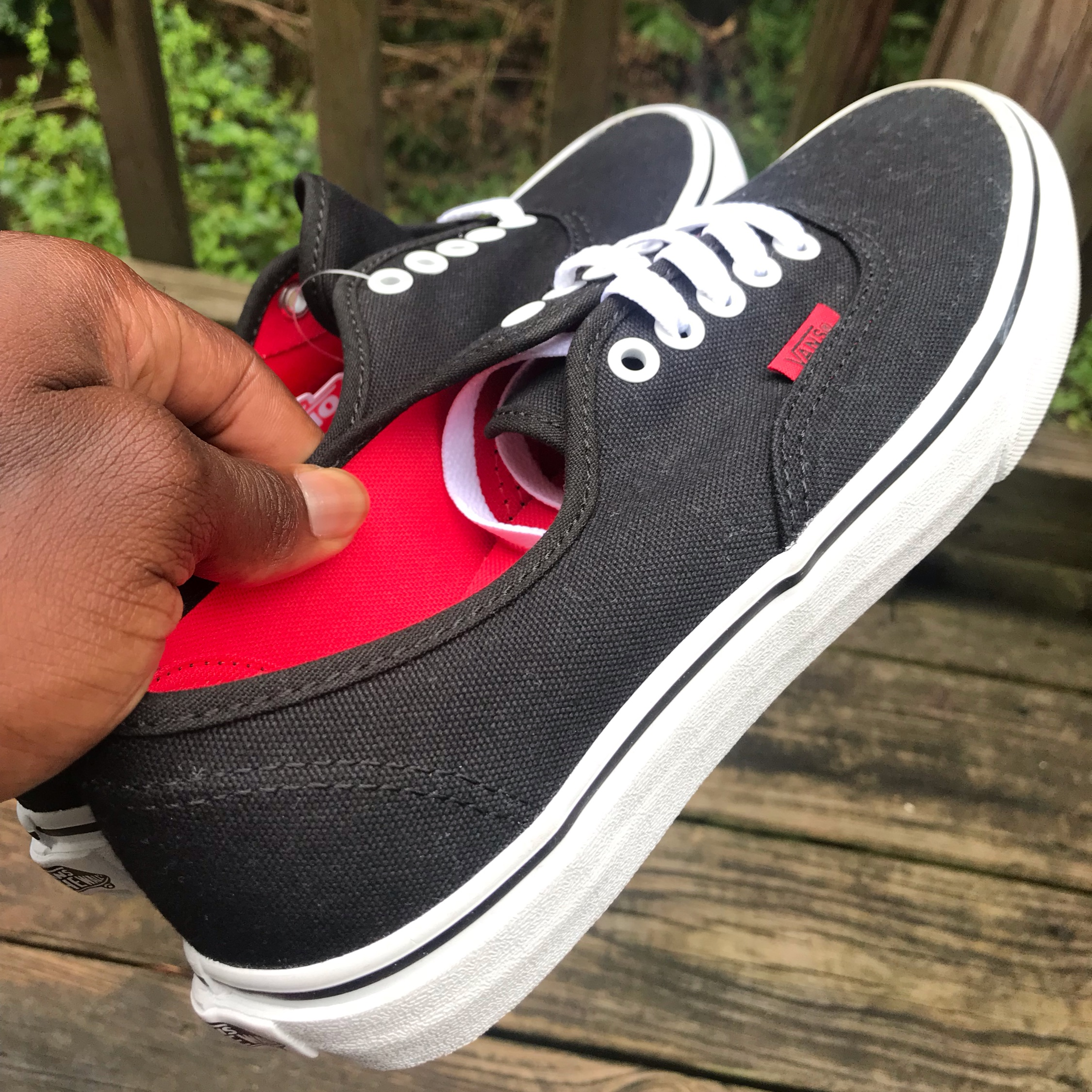 best sneakers 0f8b1 1486e Vans Authentic Black Red Sole 7M/8.5W