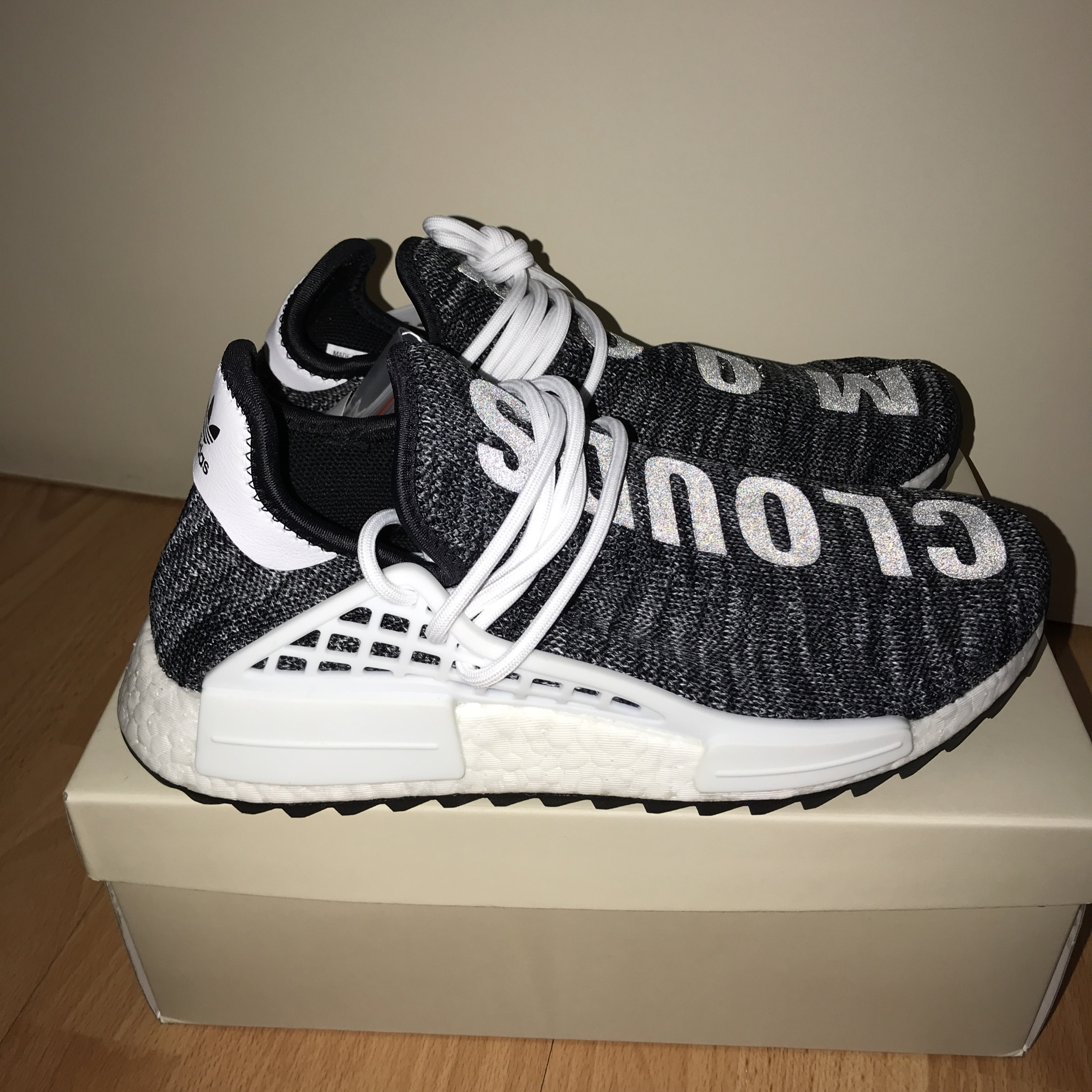 online store 7774d 4d2fb Adidas Pharrell Williams Nmd Hu Oreo Size 8.5 42