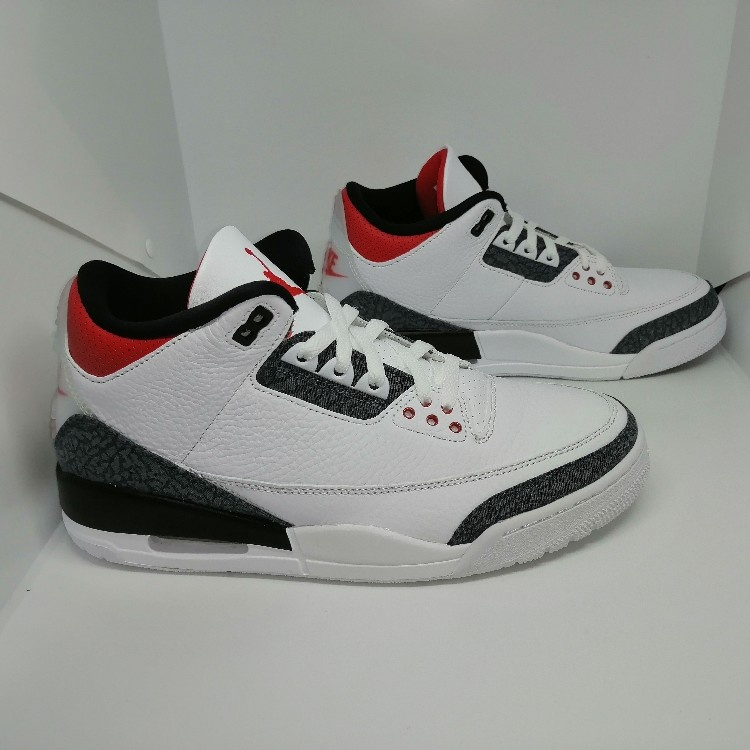 Air Jordan 3 Retro SE Fire Red Denim (UK 8.5) (US 9.5)