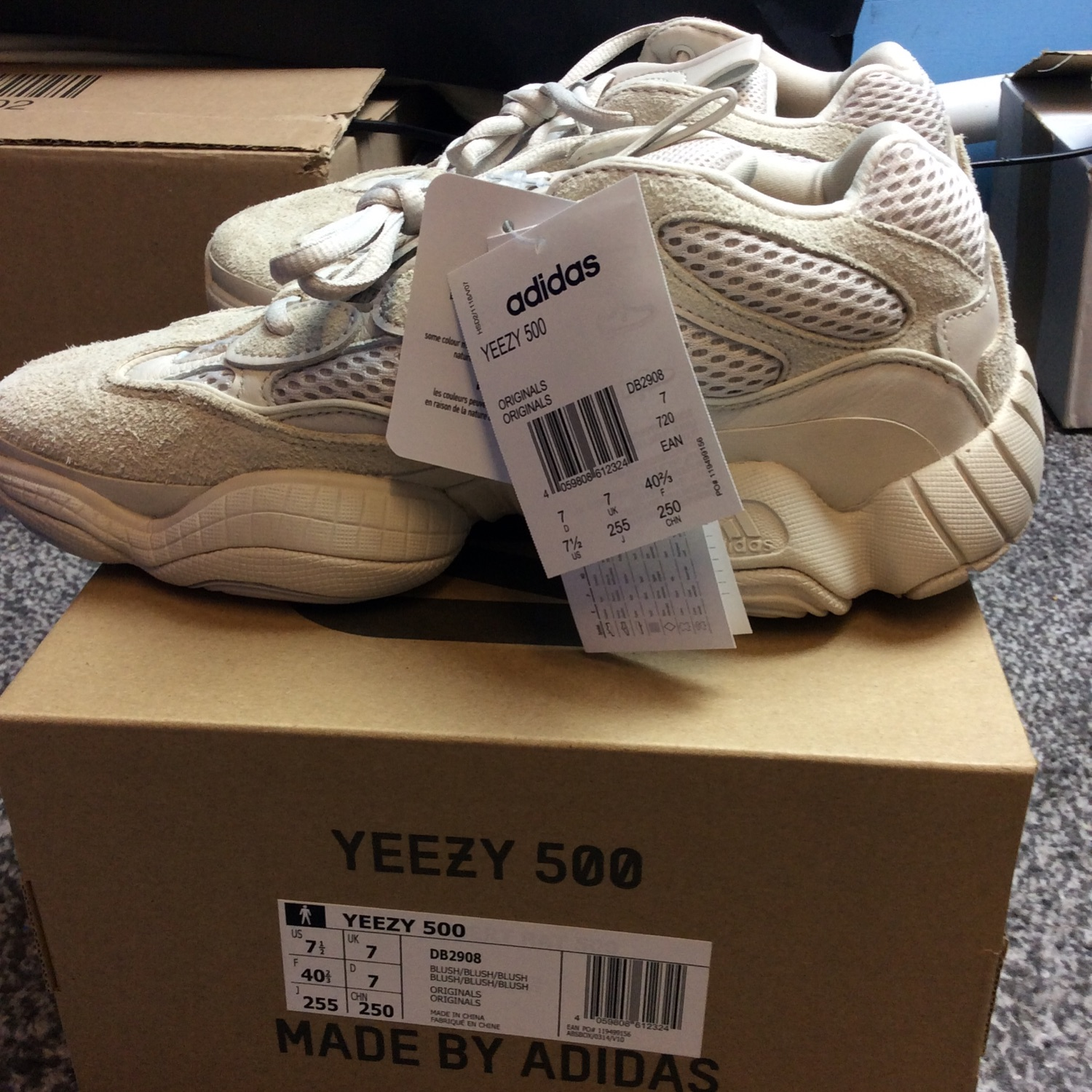 separation shoes 12ec8 96a45 Yeezy 500 Blush Mud Rats (Deadstock)