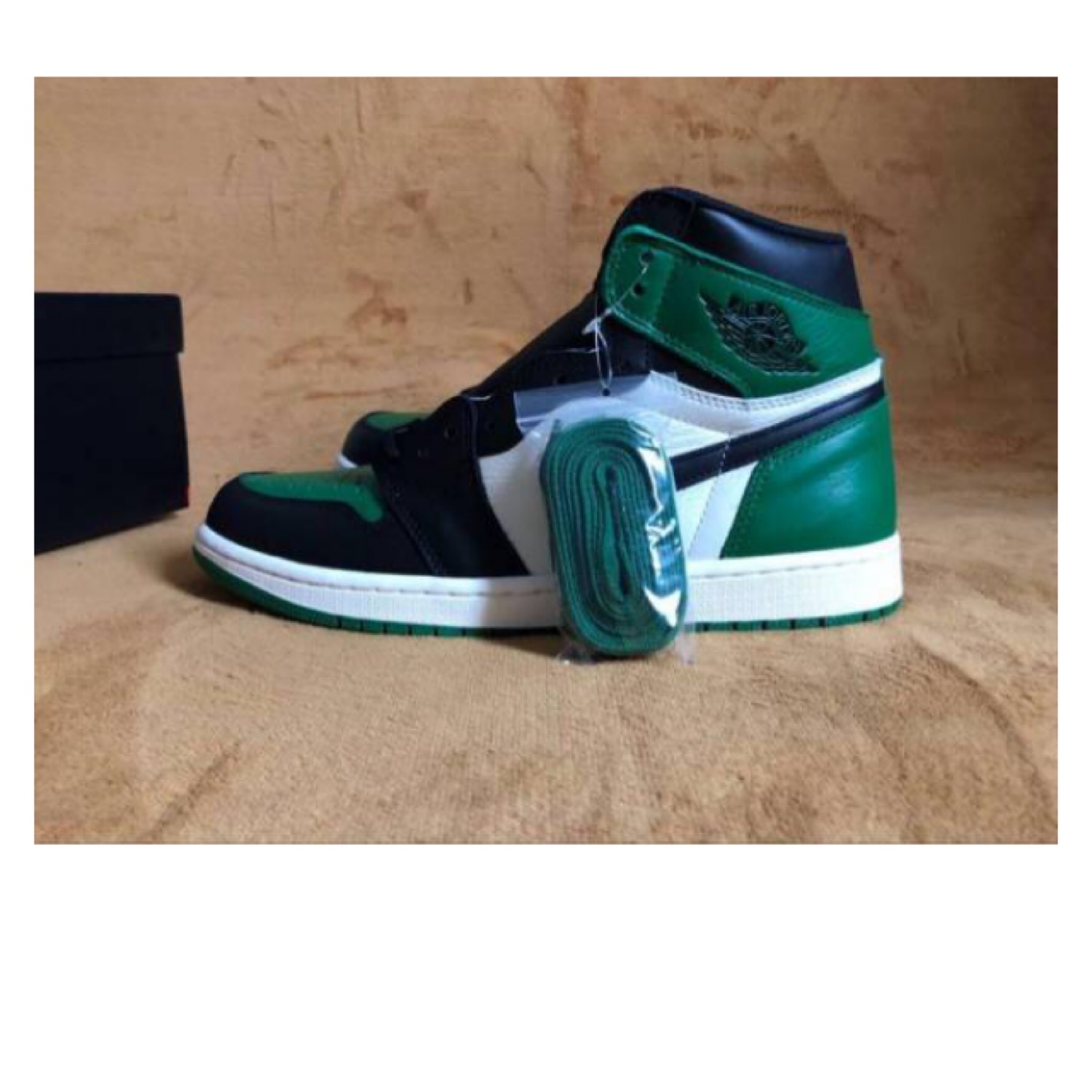 newest 4f942 a989e Air Jordan 1 Retro High Og Pine Green Size 12