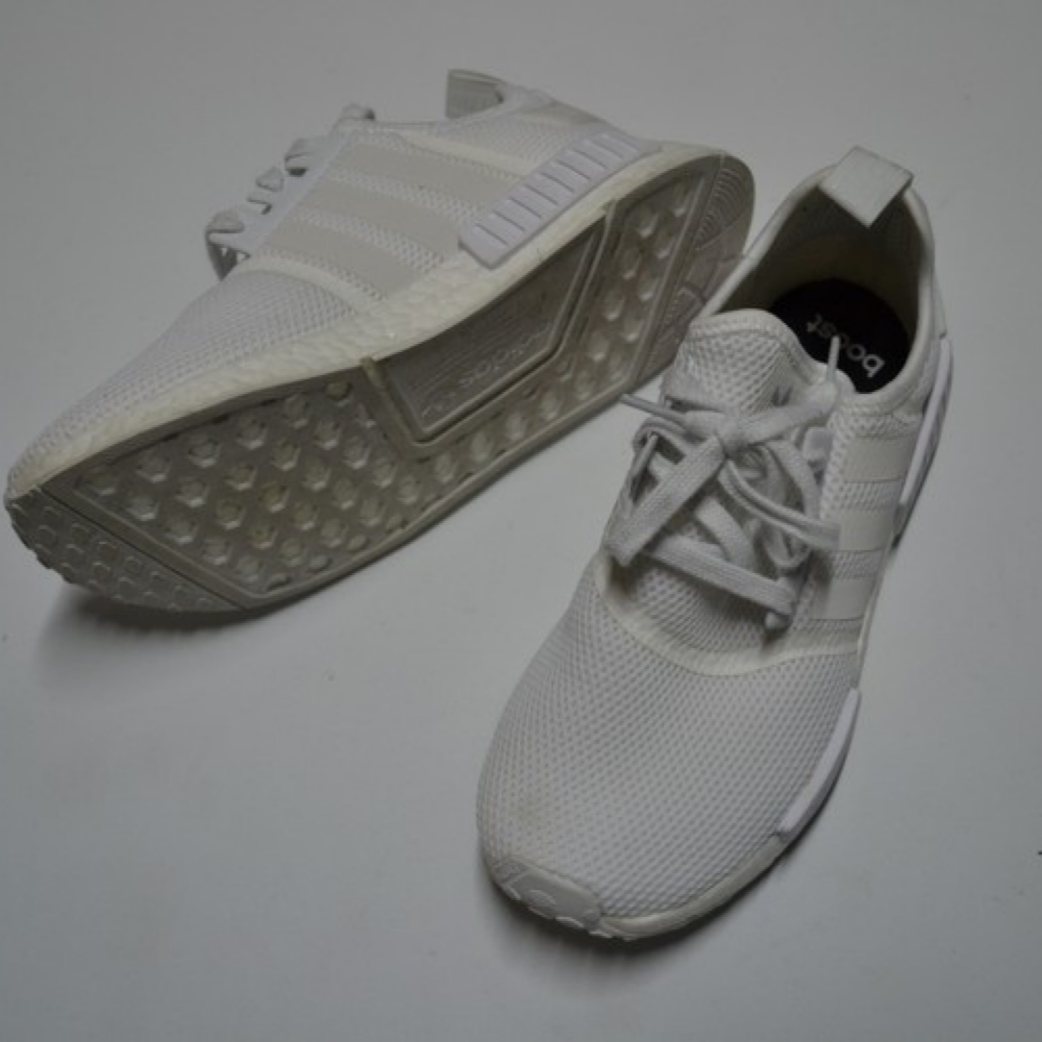 hot sale online b5d73 05bd7 Nmd R1 Triple White Adidas Boost
