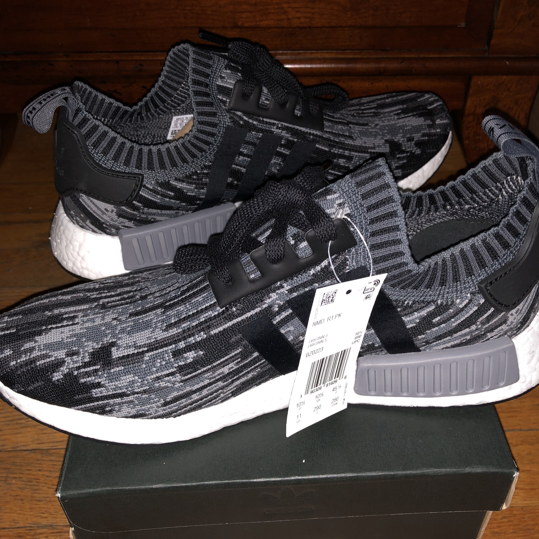 watch 645ca f53ad Adidas Nmd R1 Primeknit Grey Three