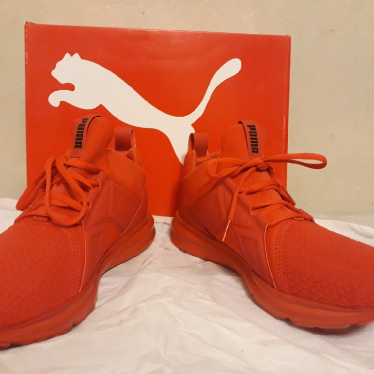 PUMA SHOES NEW.(ENZO RED)