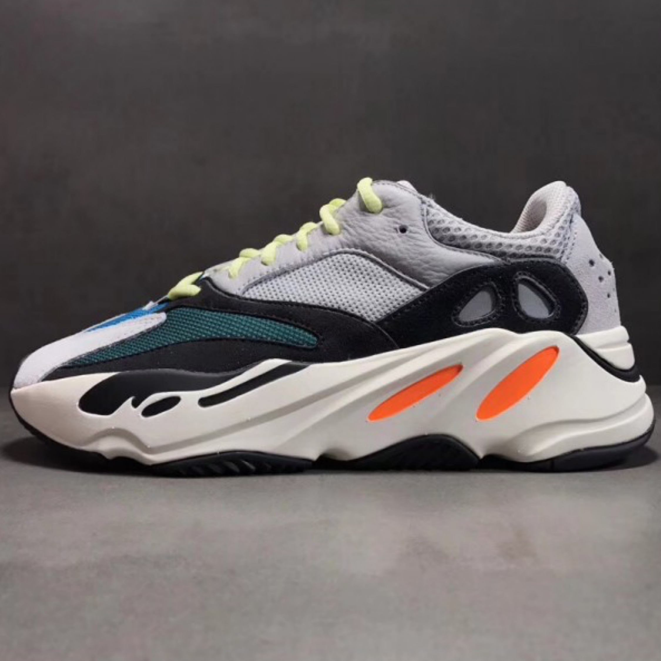 separation shoes 608e1 b33b9 Adidas Yeezy Boost Wave Runner 700 Size 8 Ds