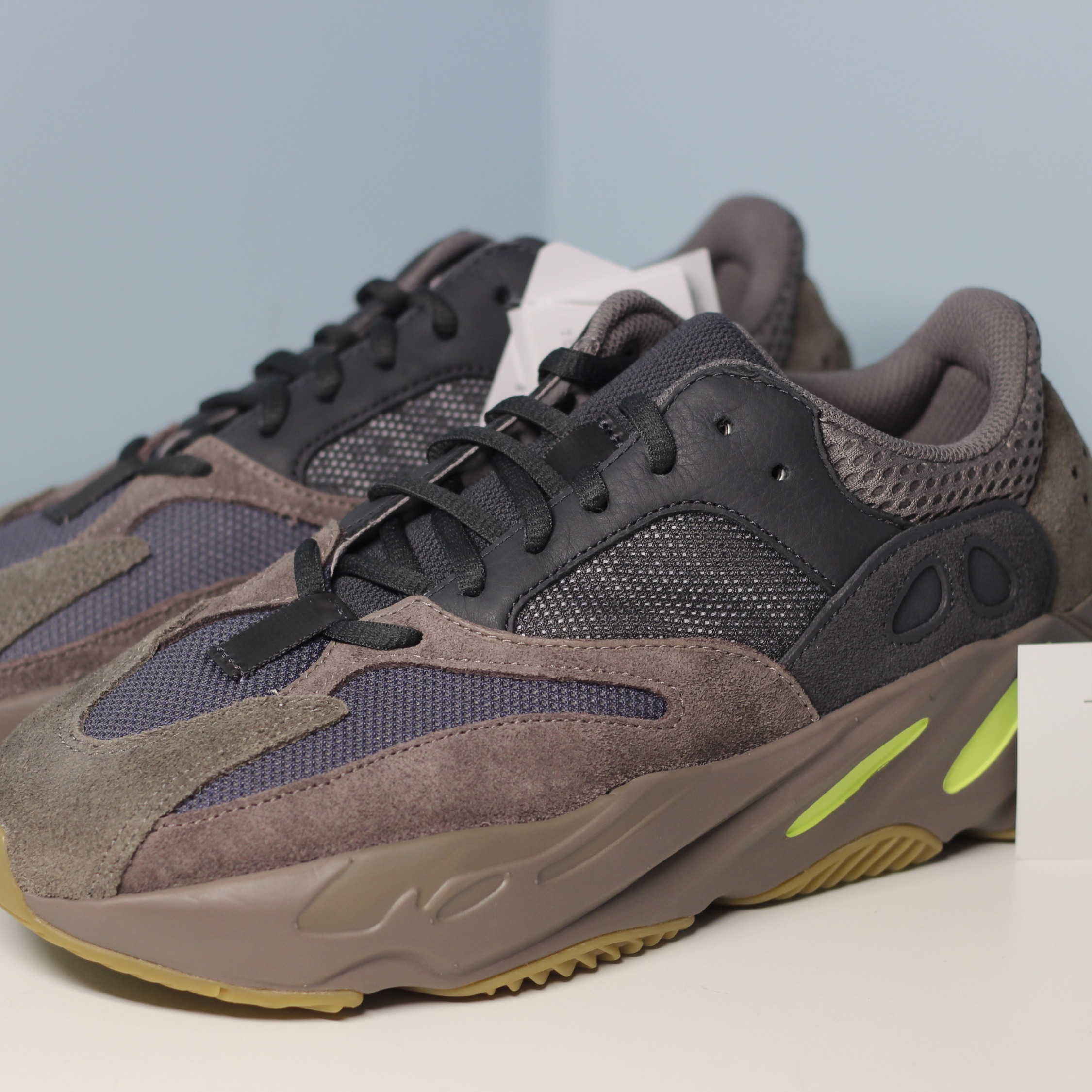more photos df826 6ce2e Adidas Kanye West Yeezy 700 Mauve Size 8 New Clay