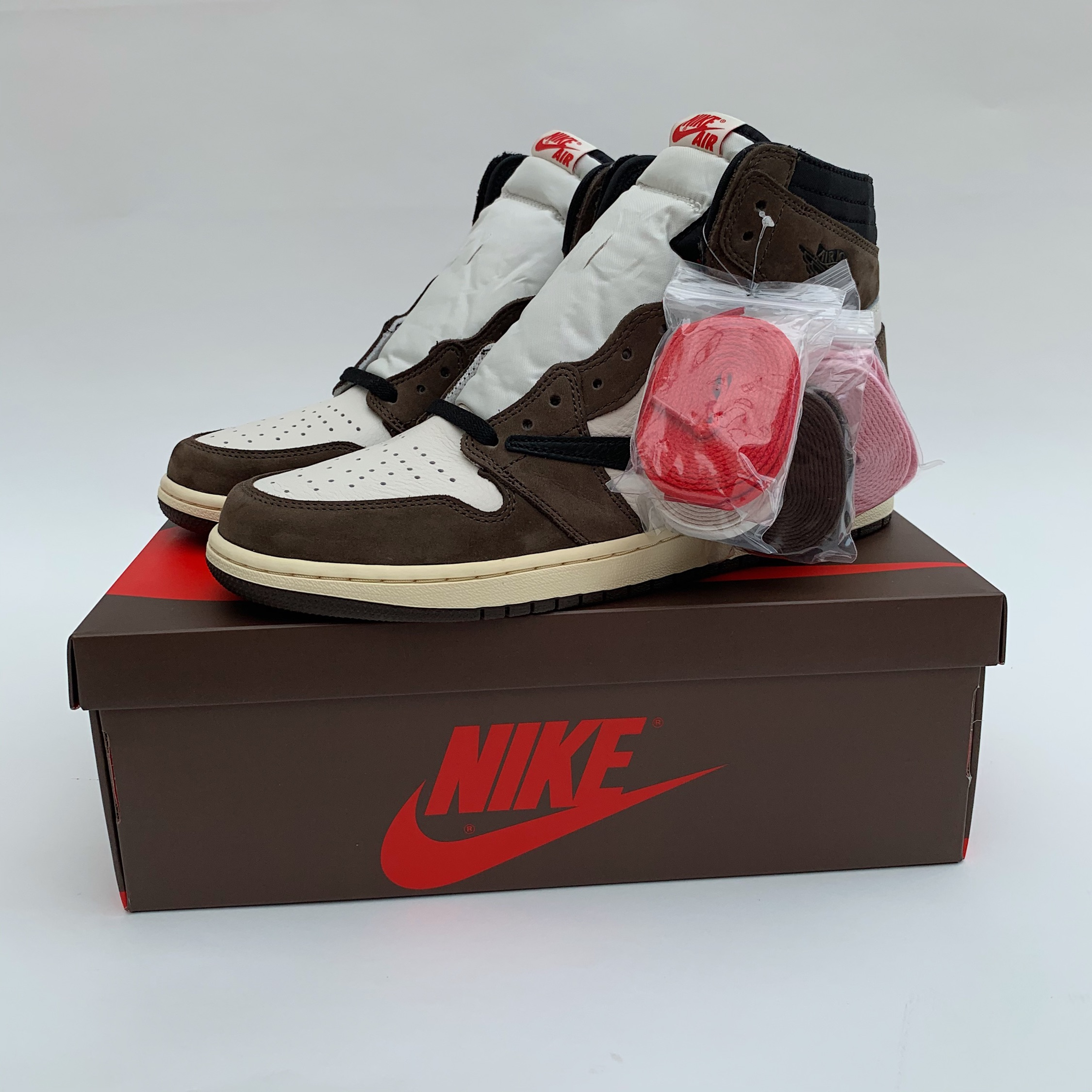 Air Jordan 1 Retro High Travis Scott | 250 Reviews