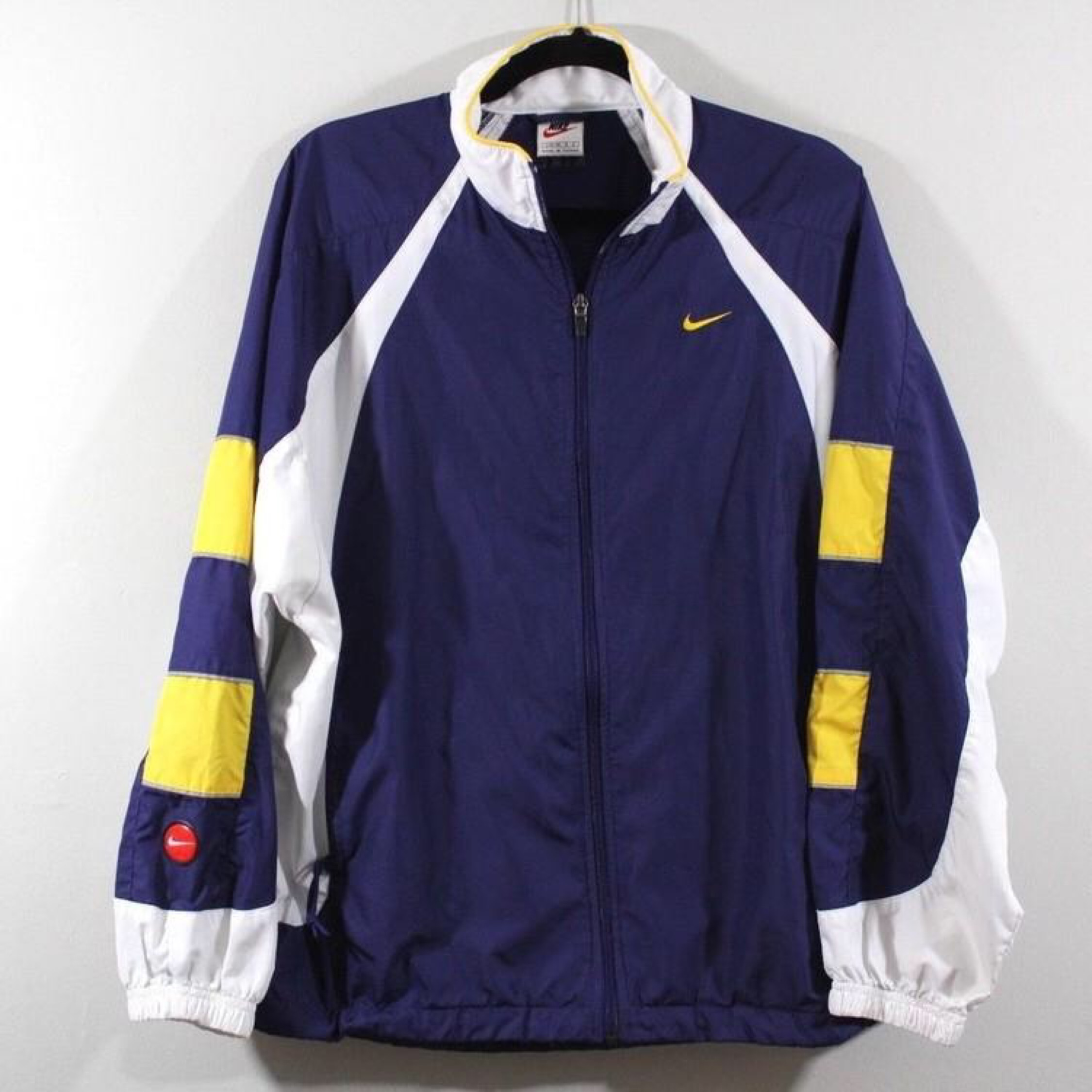 2f6ee1cd2 Vintage Nike Spellout Windbreaker Jacket