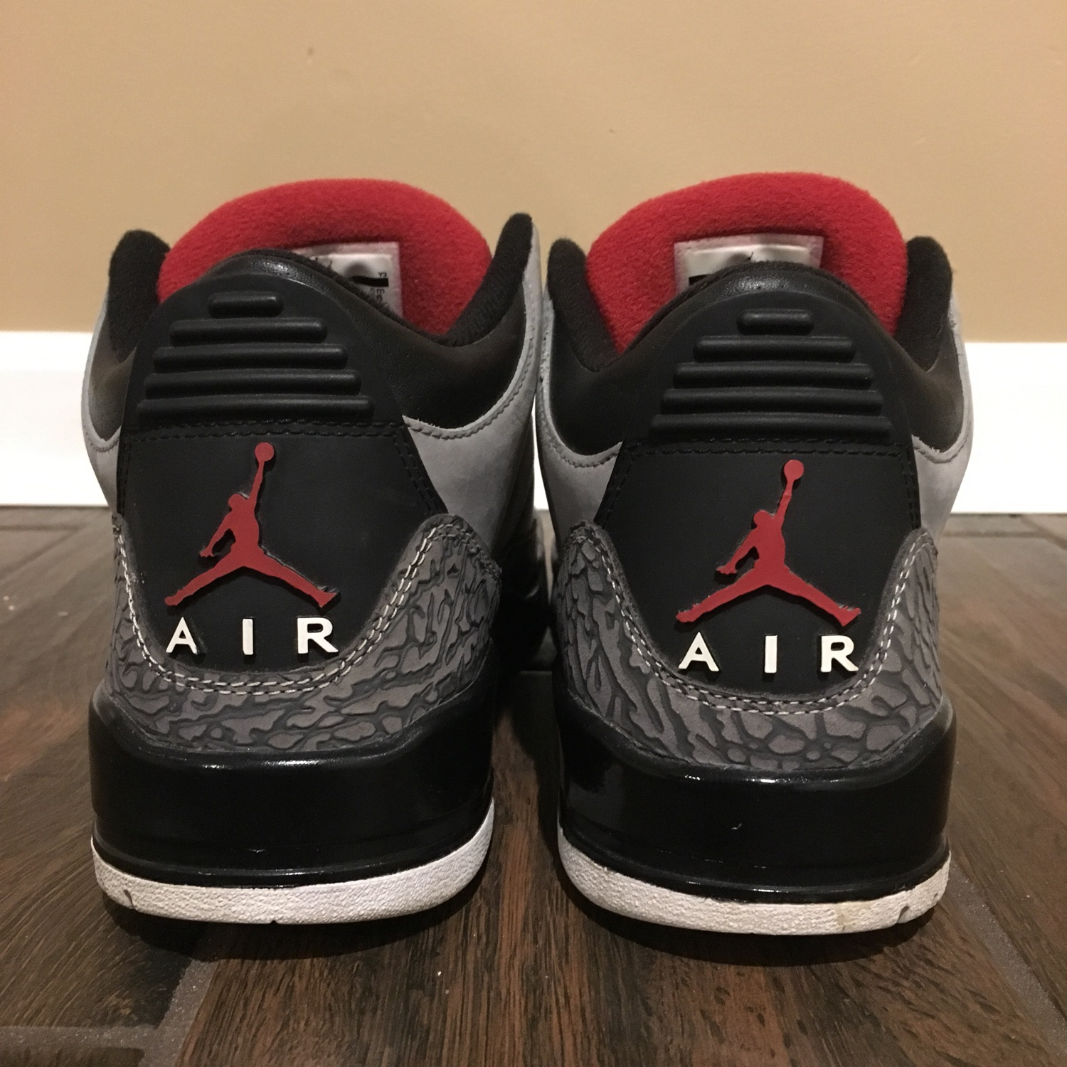 6ede2a6950d07d Air Jordan 3 Stealth Size 8 Great Condition