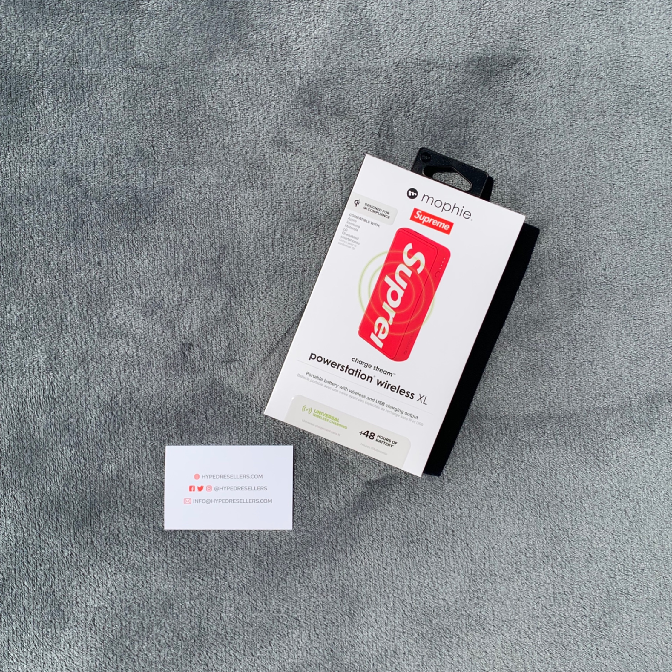 Supreme Ss19 - Mophie Wireless Portable Charger Xl