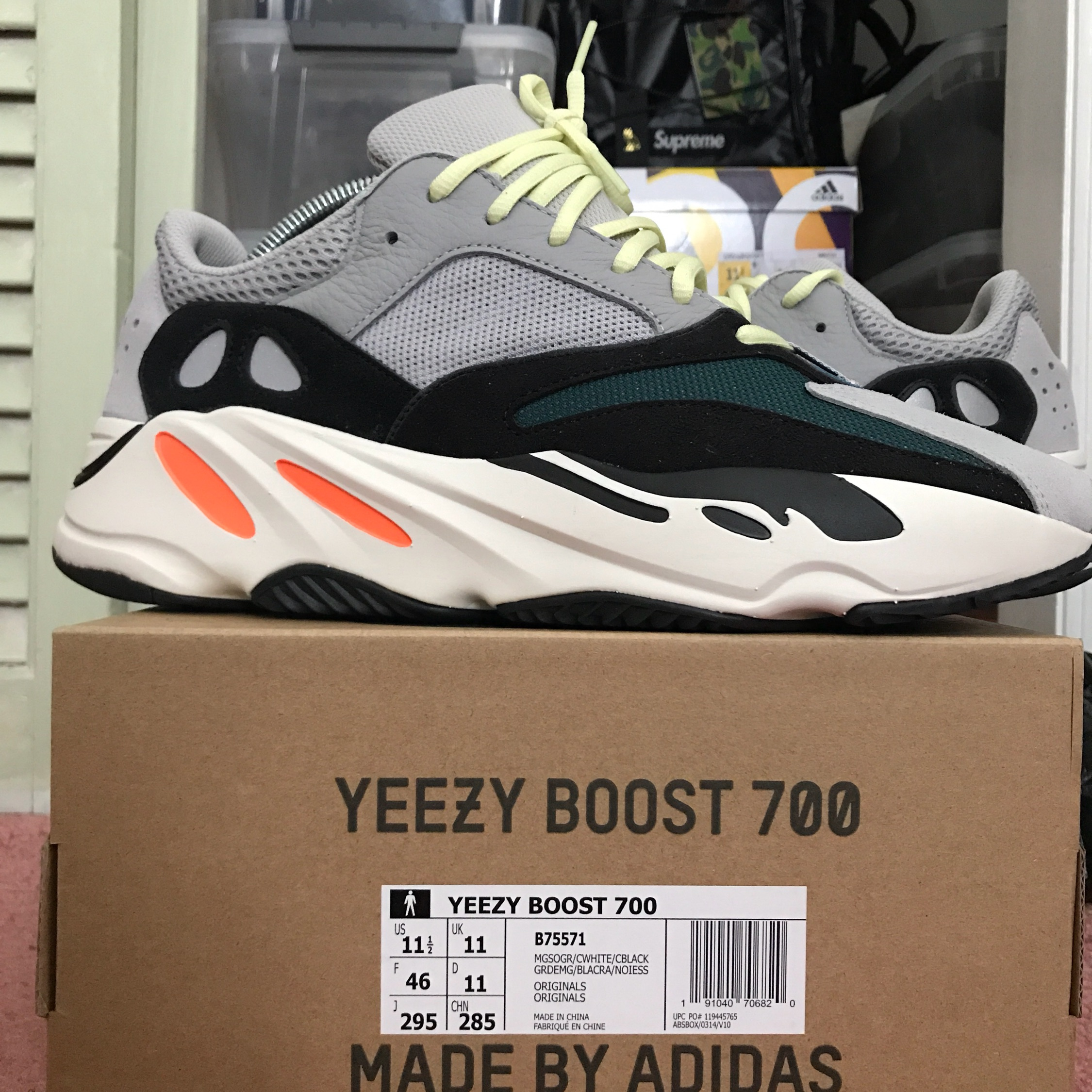 adidas Yeezy Boost 700 Wave Runner Size 11 B75571