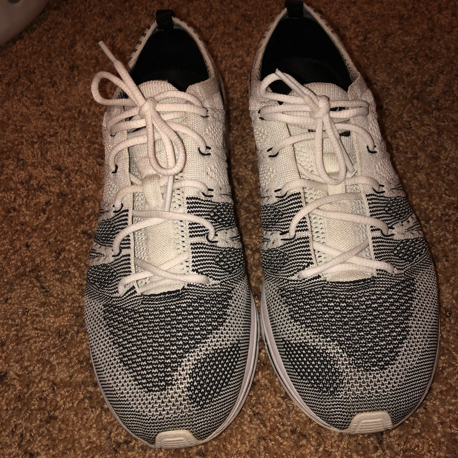 d4f49e6f346b6 Flyknit Trainer Nike White Yeknits 9.5 Steal