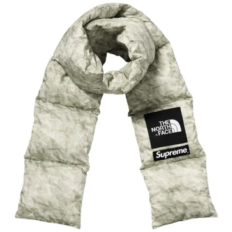 FW19 Supreme x The North Face Paper Print 700-Fill Down Scarf