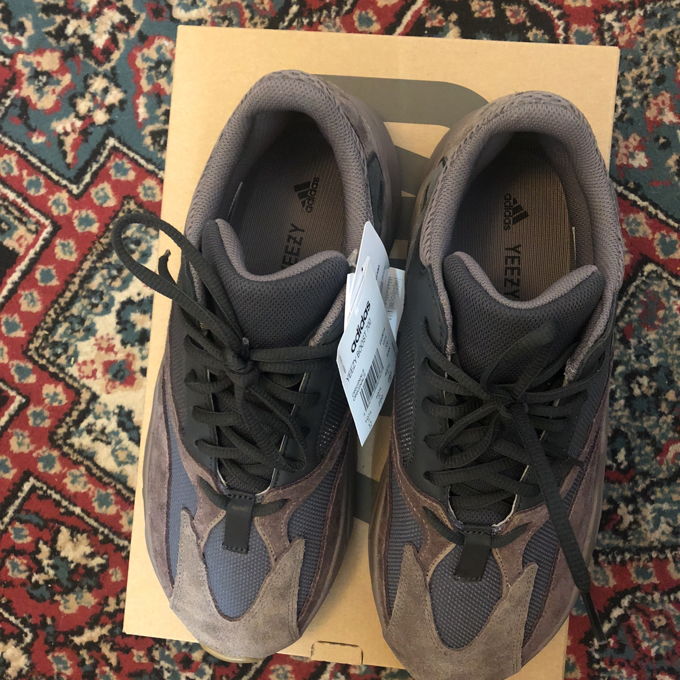 08a7fc0dbc6d5 Yeezy Boost 700 Mauve For Retail