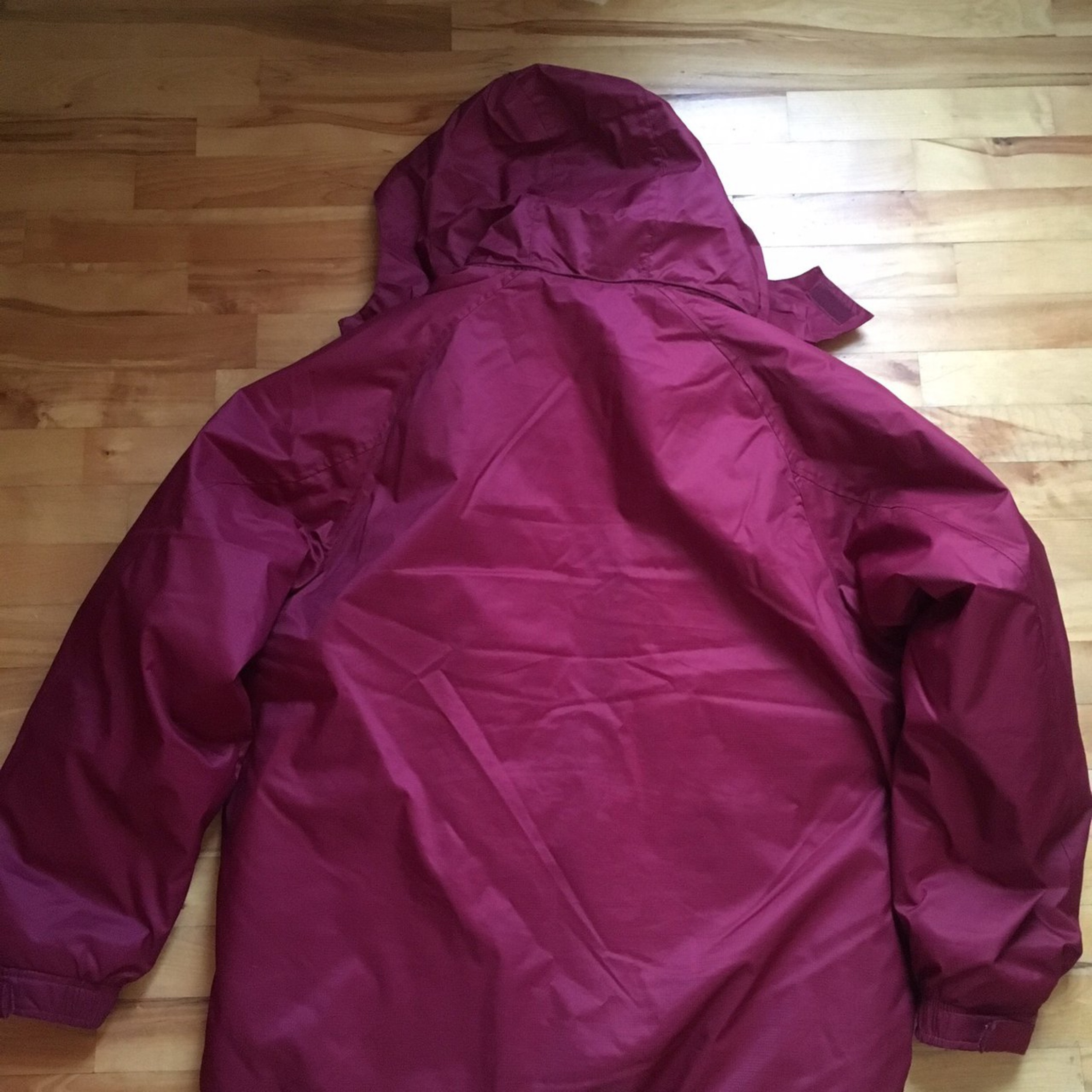 c0d19e8c4790 Nike Winter Jacket With Packable Hood Burgundy