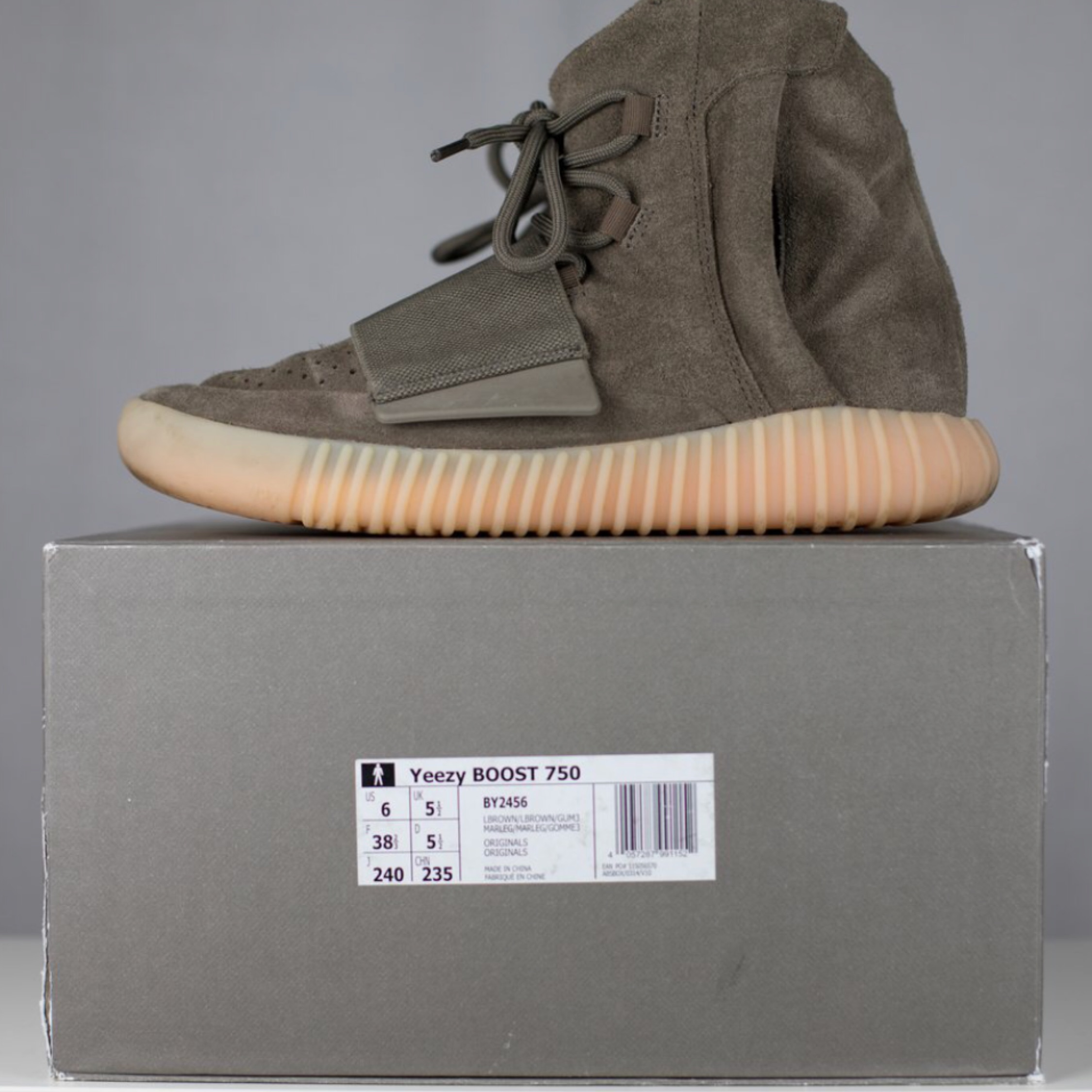 separation shoes fb8c5 e5705 US 10.5. €4. Adidas Yeezy 750 Boost Grey Chocolate