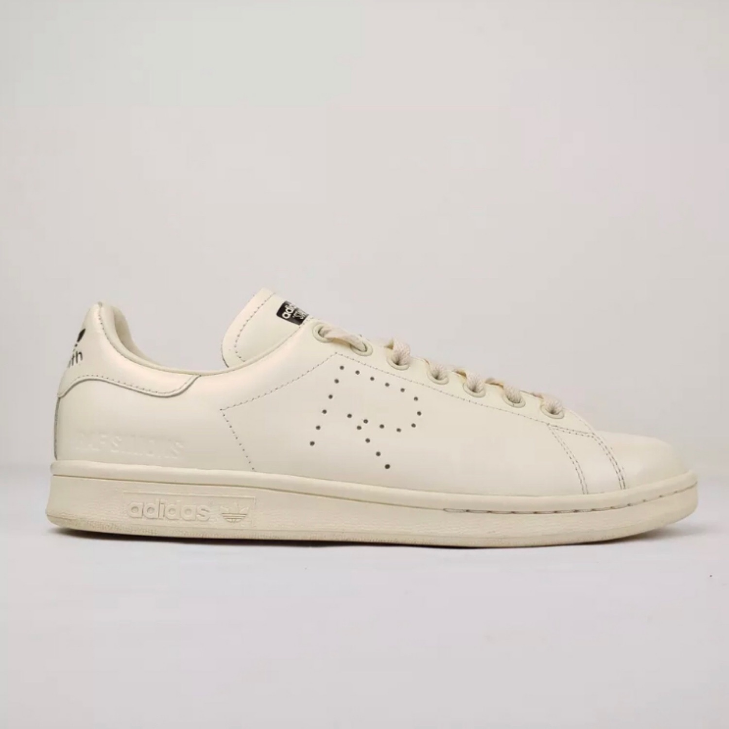 cc8830159 Raf Simons Adidas Stan Smith