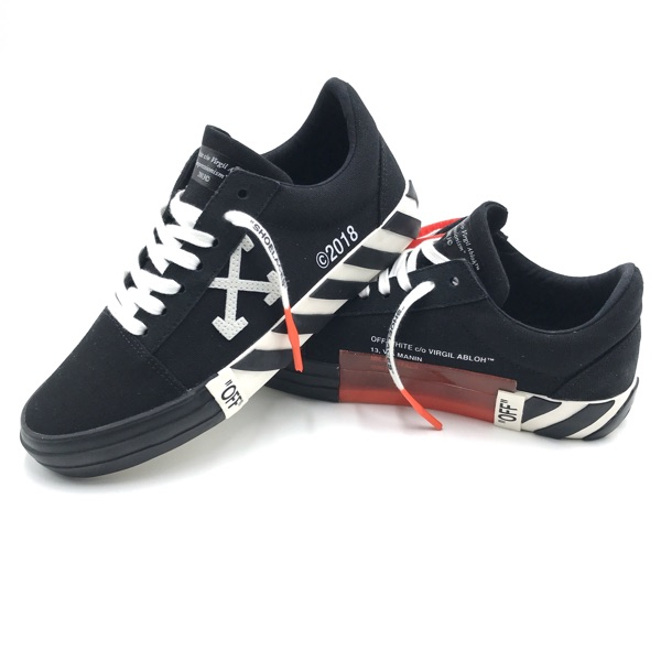 Off-White C/O Virgil Abloh Vulcanized Low Sneakers