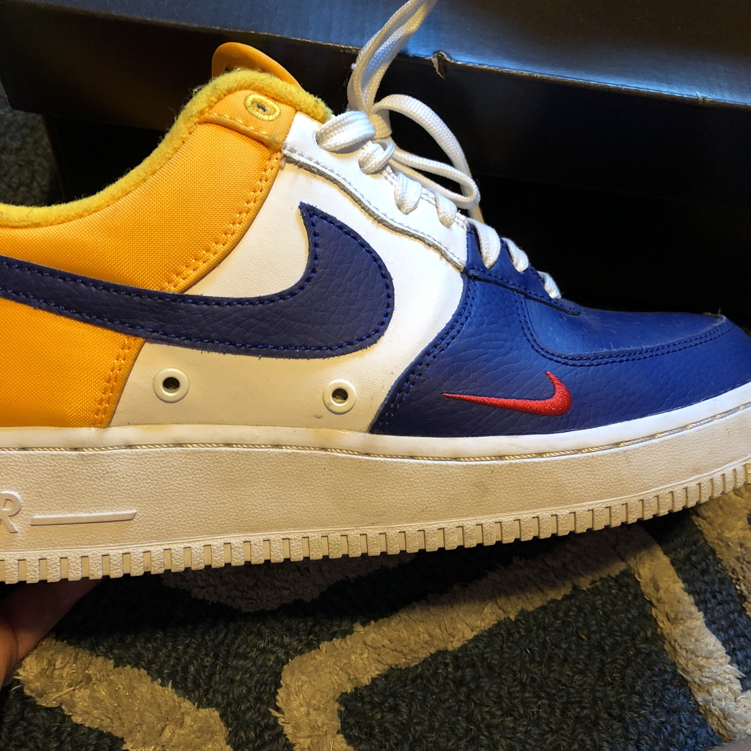 size 40 efb46 6f3b7 Nike Air Force 1 Blue And Yellow Barley Used