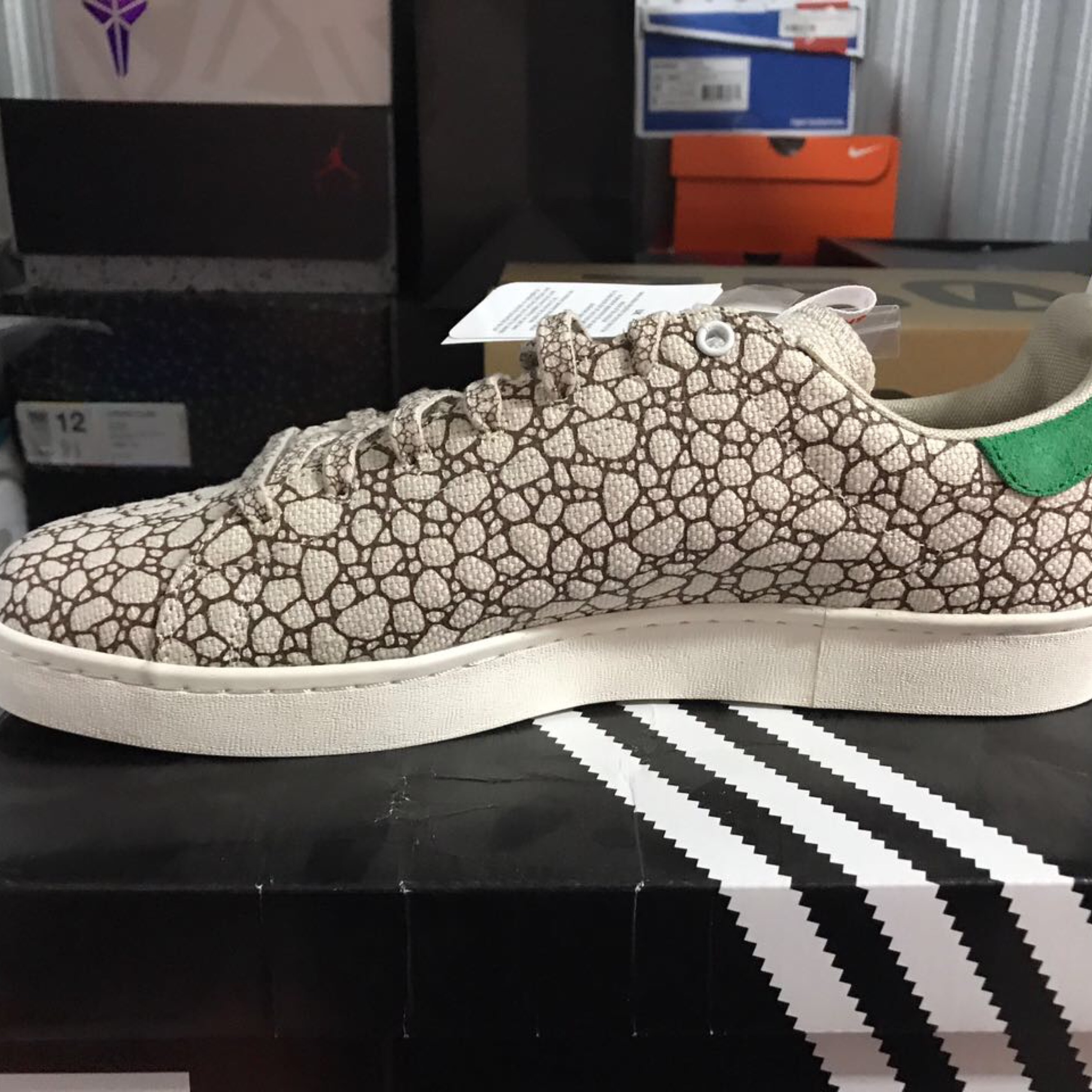 online store 92f90 fe9fb adidas happy 420 shoes