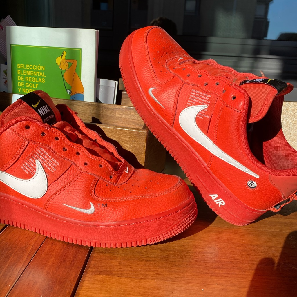 nike utility red