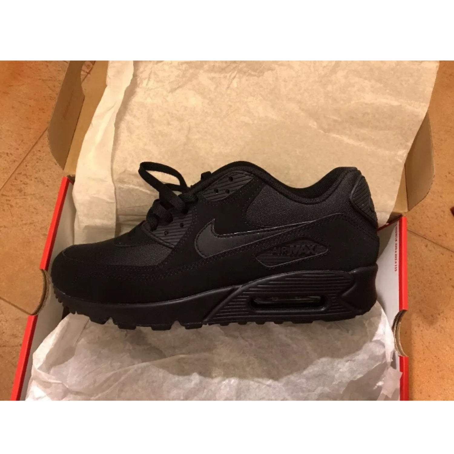 outlet store ef248 507e5 Nike Air Max 90 Essential Black