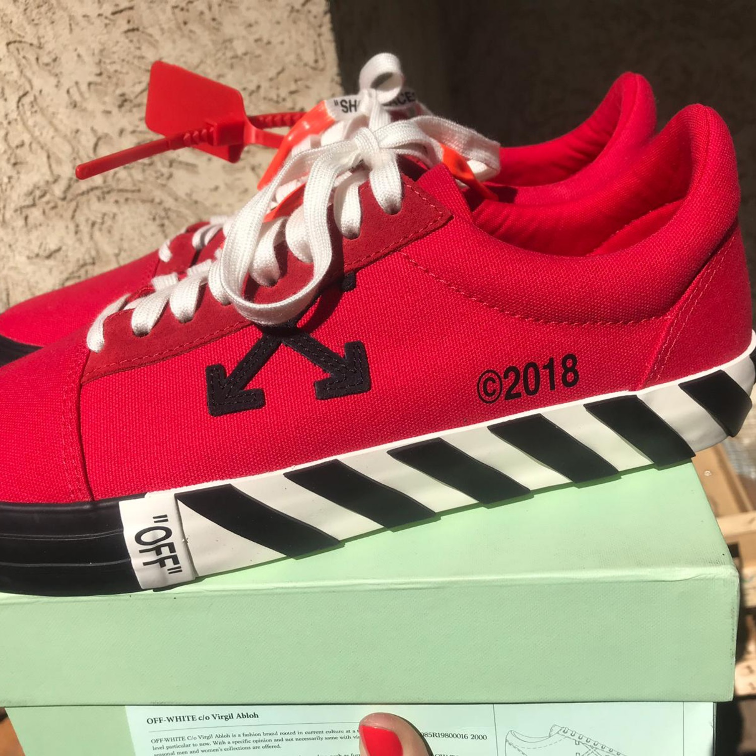 Off White Vulc Low Red