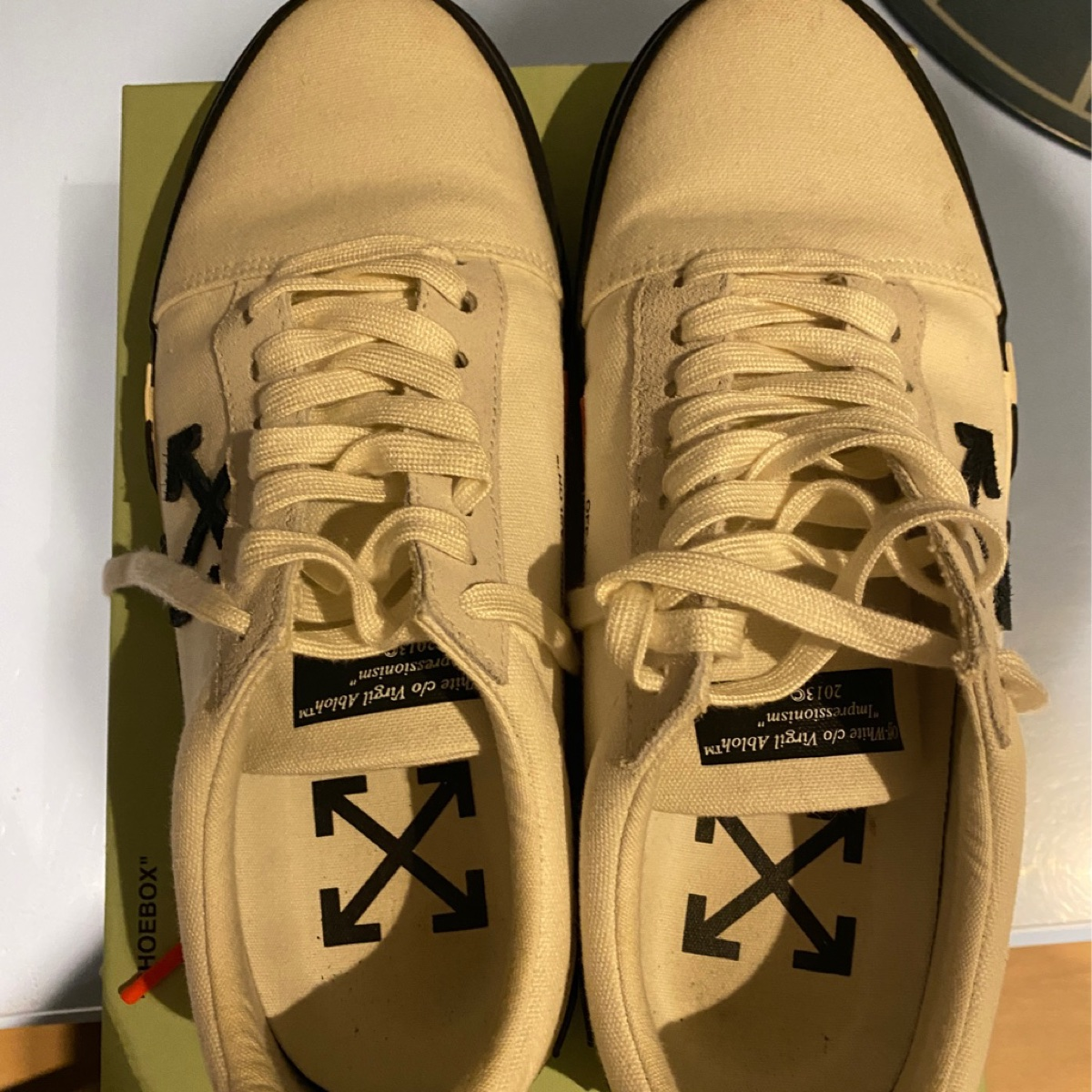Offwhite low-top Sneakers