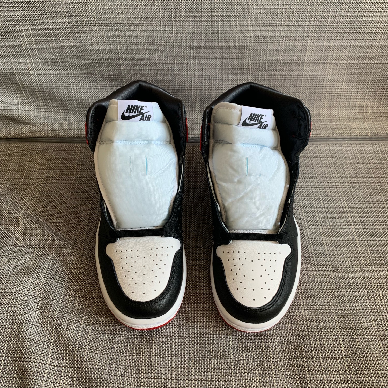 san francisco 5c913 22937 Nike Air Jordan 1 Womens Satin Black Toe