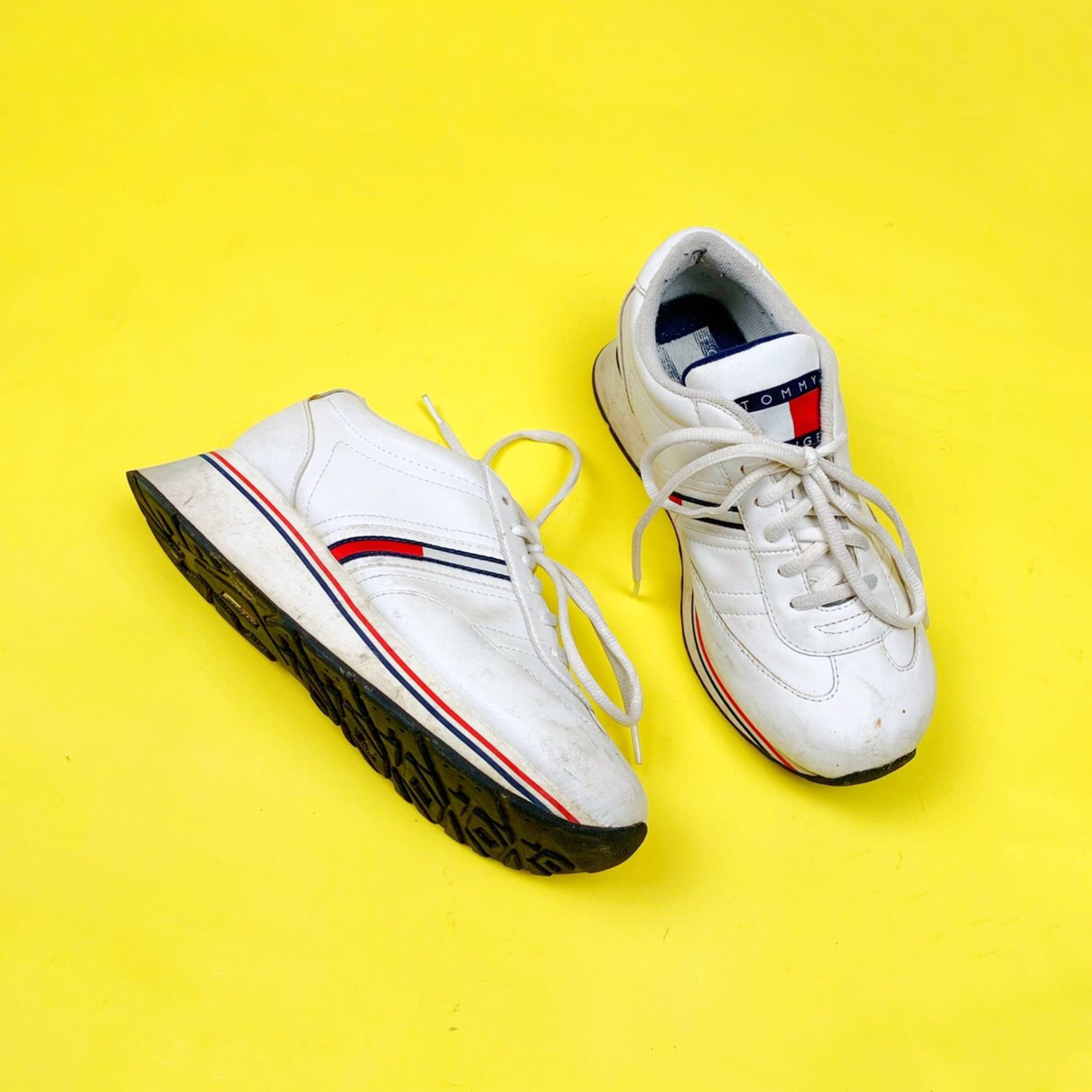 501c32ade Vintage Tommy Hilfiger Womens Sneakers
