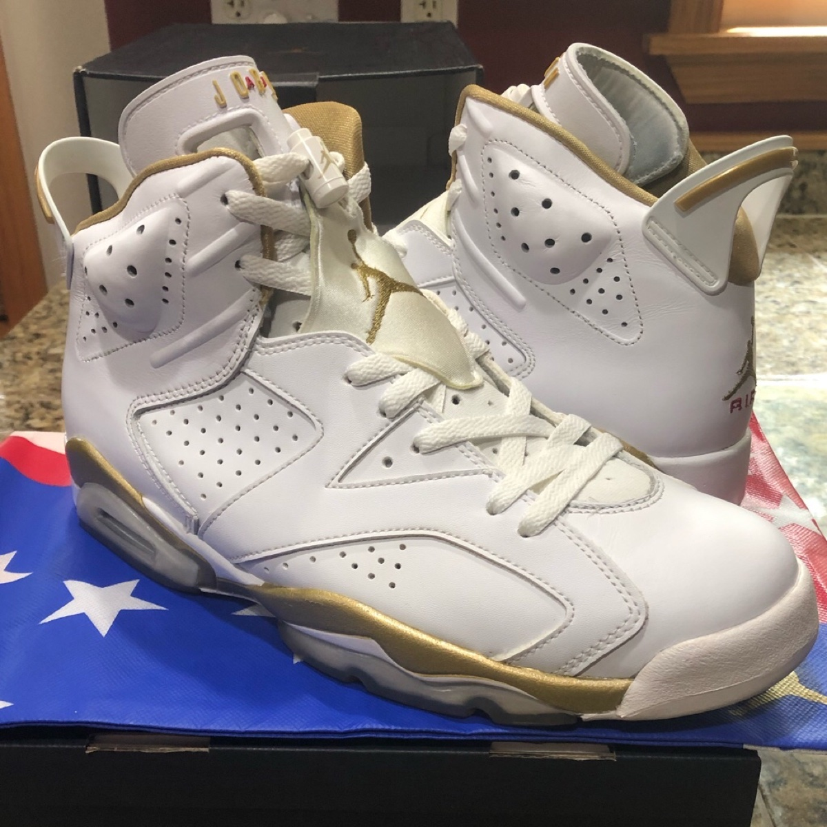 Air Jordan 6 GMP Golden Moments Pack 2012 VNDS Size 10