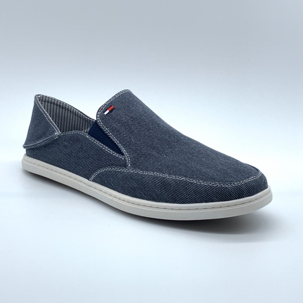 New Tommy Hilfiger Cleon Slip-On Sneaker Size 11