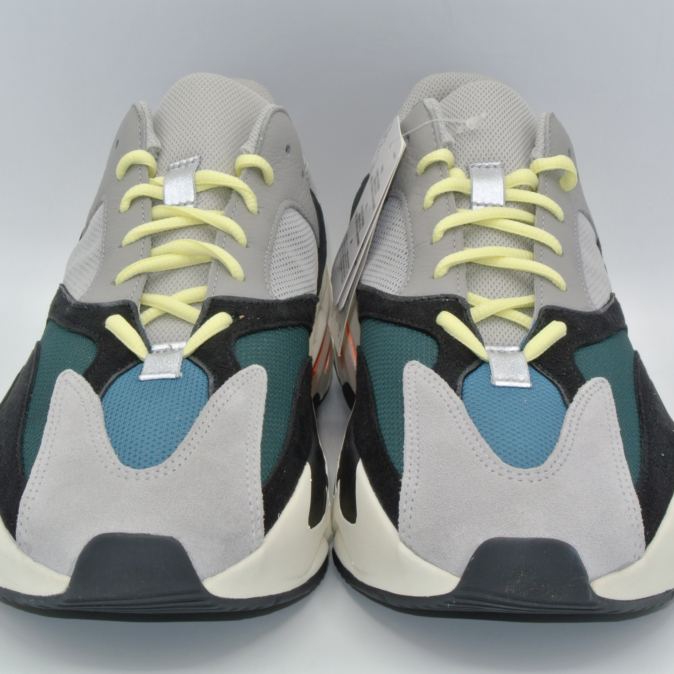new style f8496 74a6d Yeezy 700 Waverunners