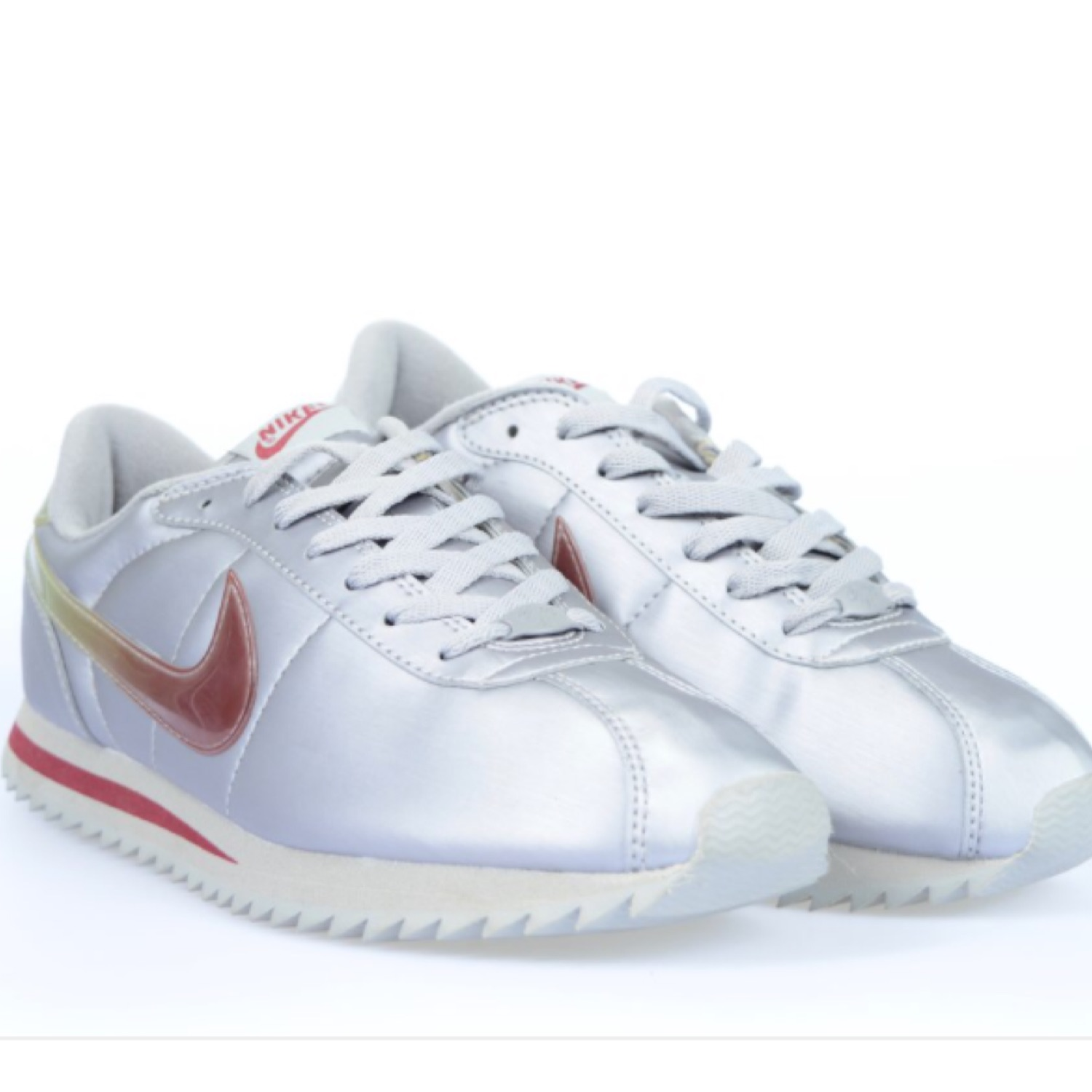 finest selection 3afb7 473aa Nike Cortez Deluxe