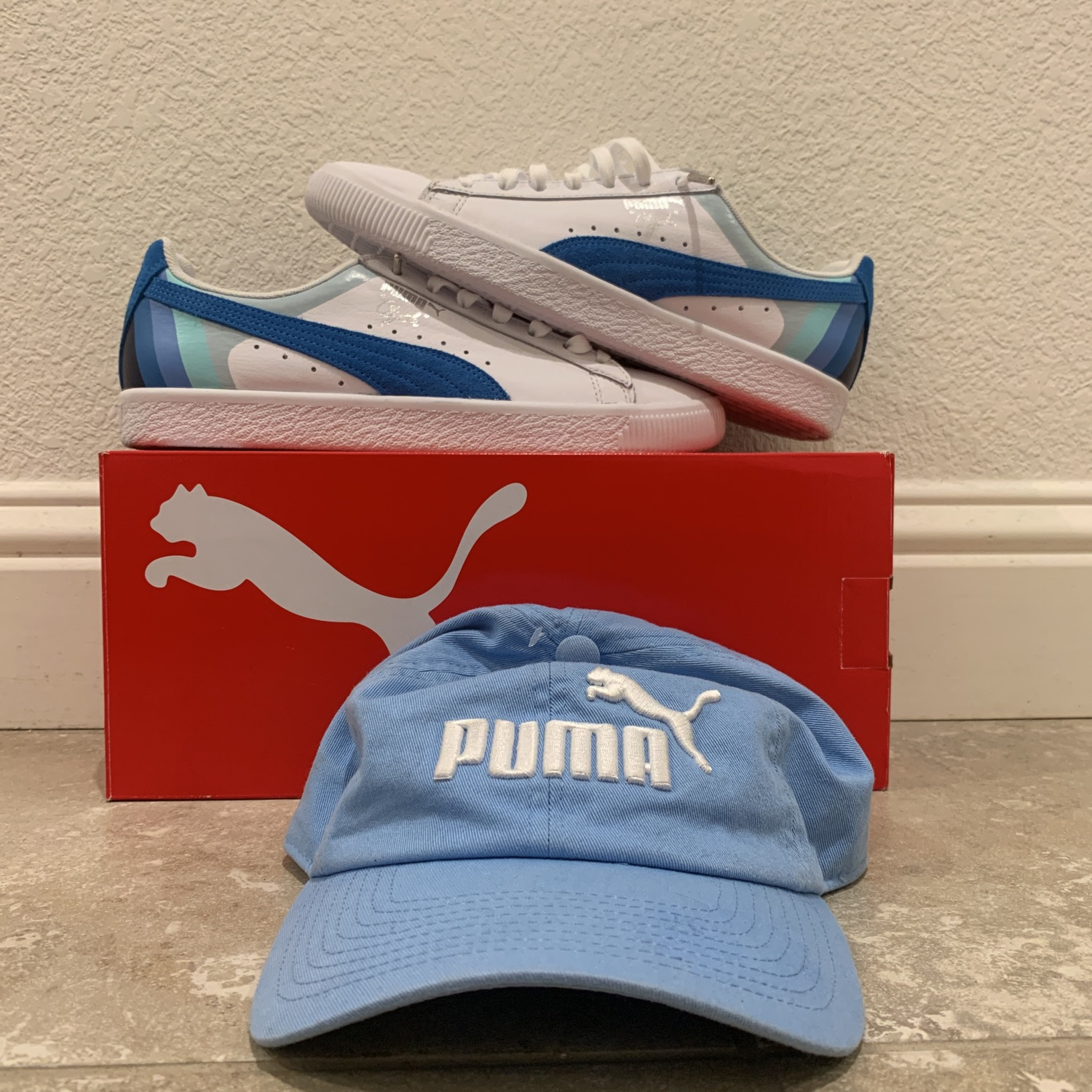 check out 77d73 f4ad1 Puma X Pink Dolphin Clyde With Hat *Steal*