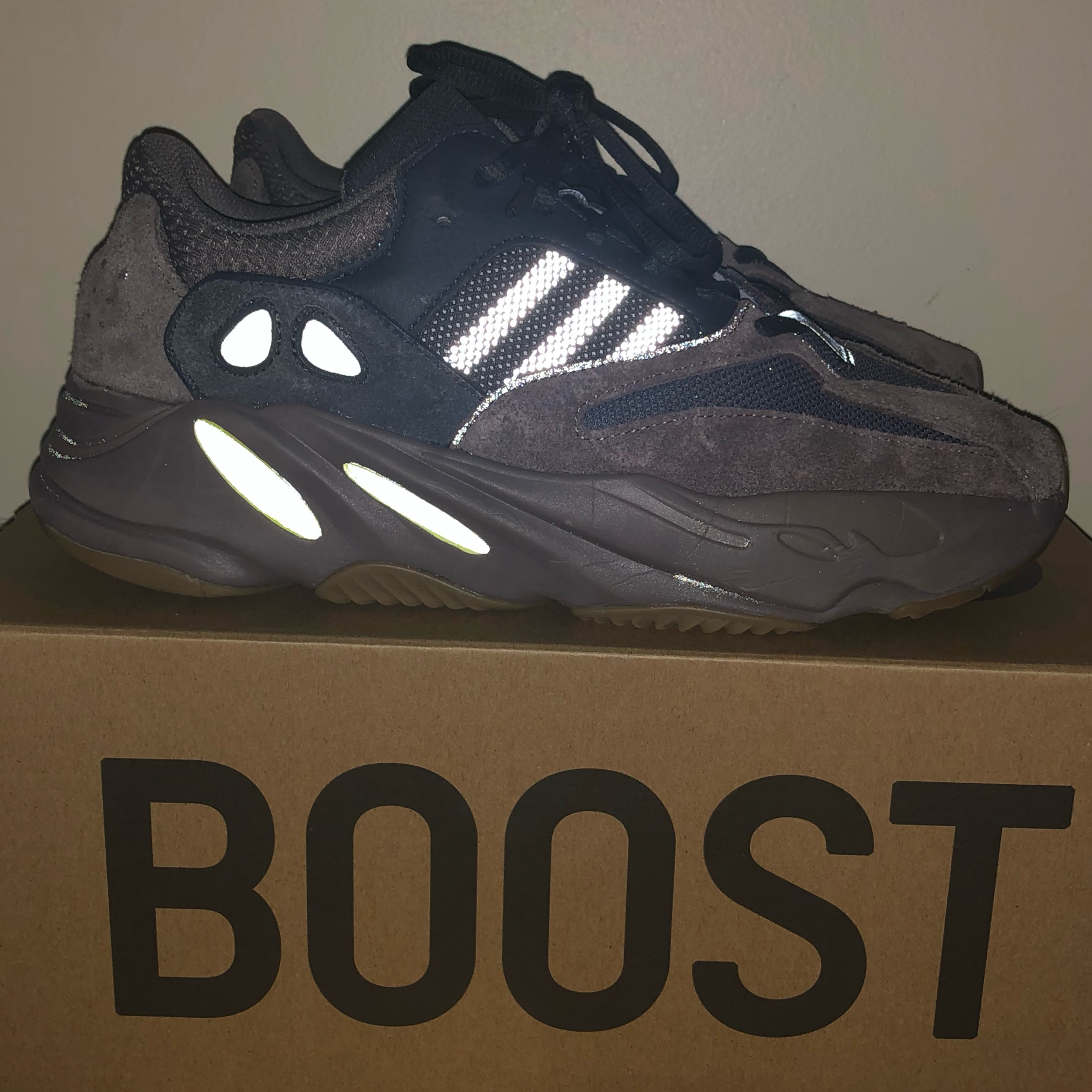 huge discount 0347d d7e6f Yeezy 700 Mauve — Under Retail