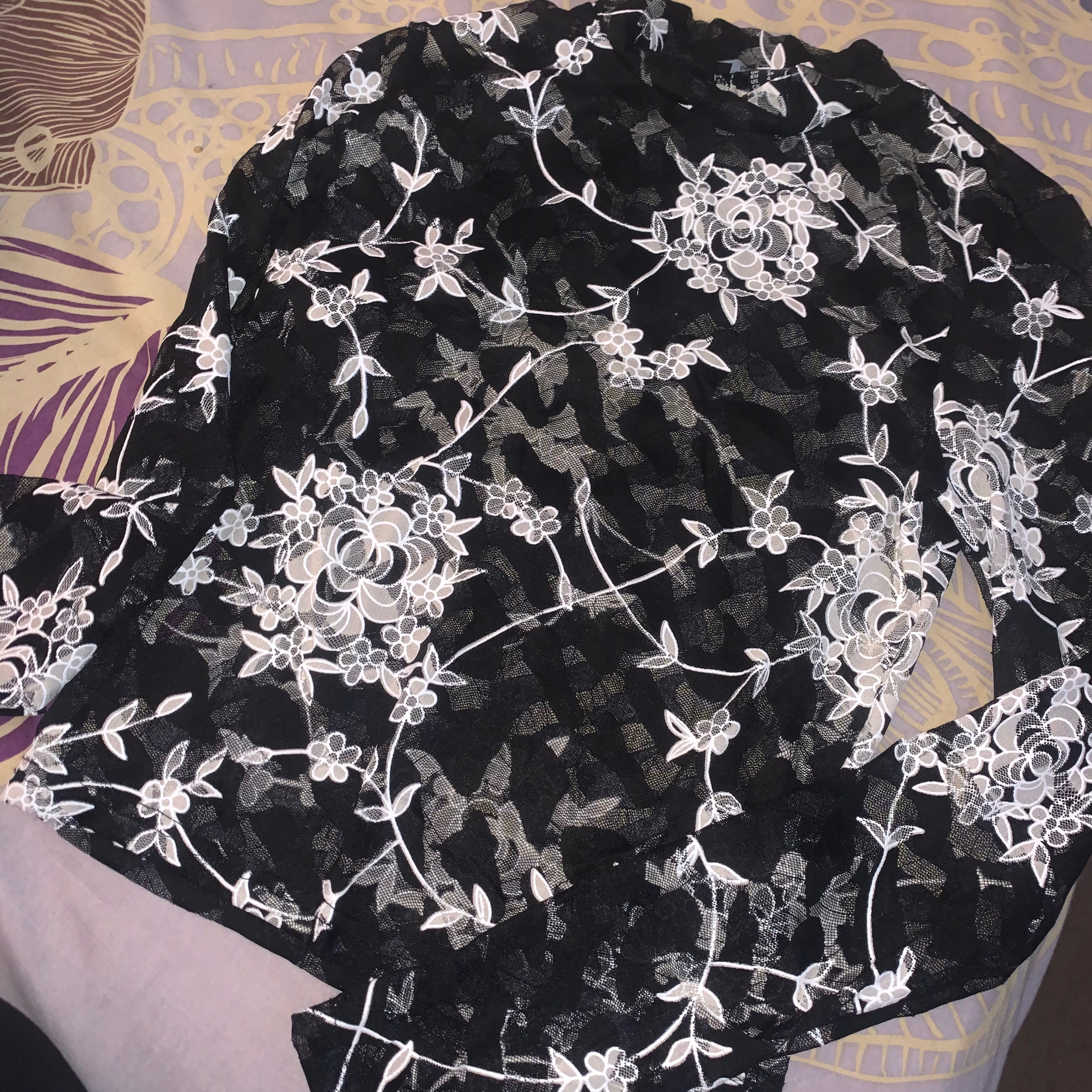 New Look Floral Lace Top Full Sleeves