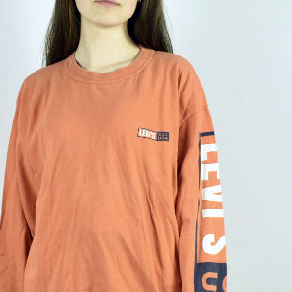 Vintage Levi's sweatshirt hoodie jumper sweater pullover in orange