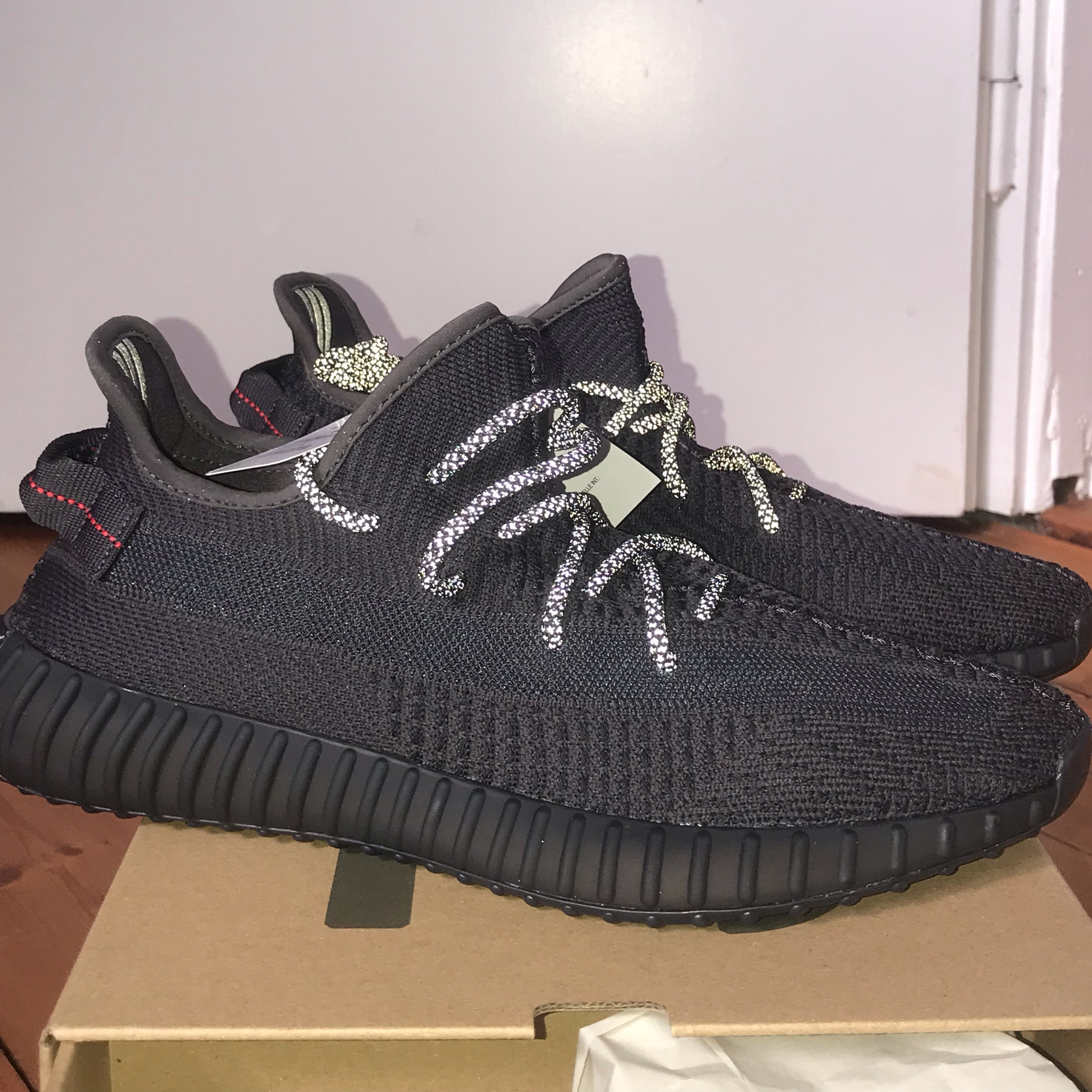 new products 3cd85 9058e Adidas Yeezy Boost 350 V2 Black