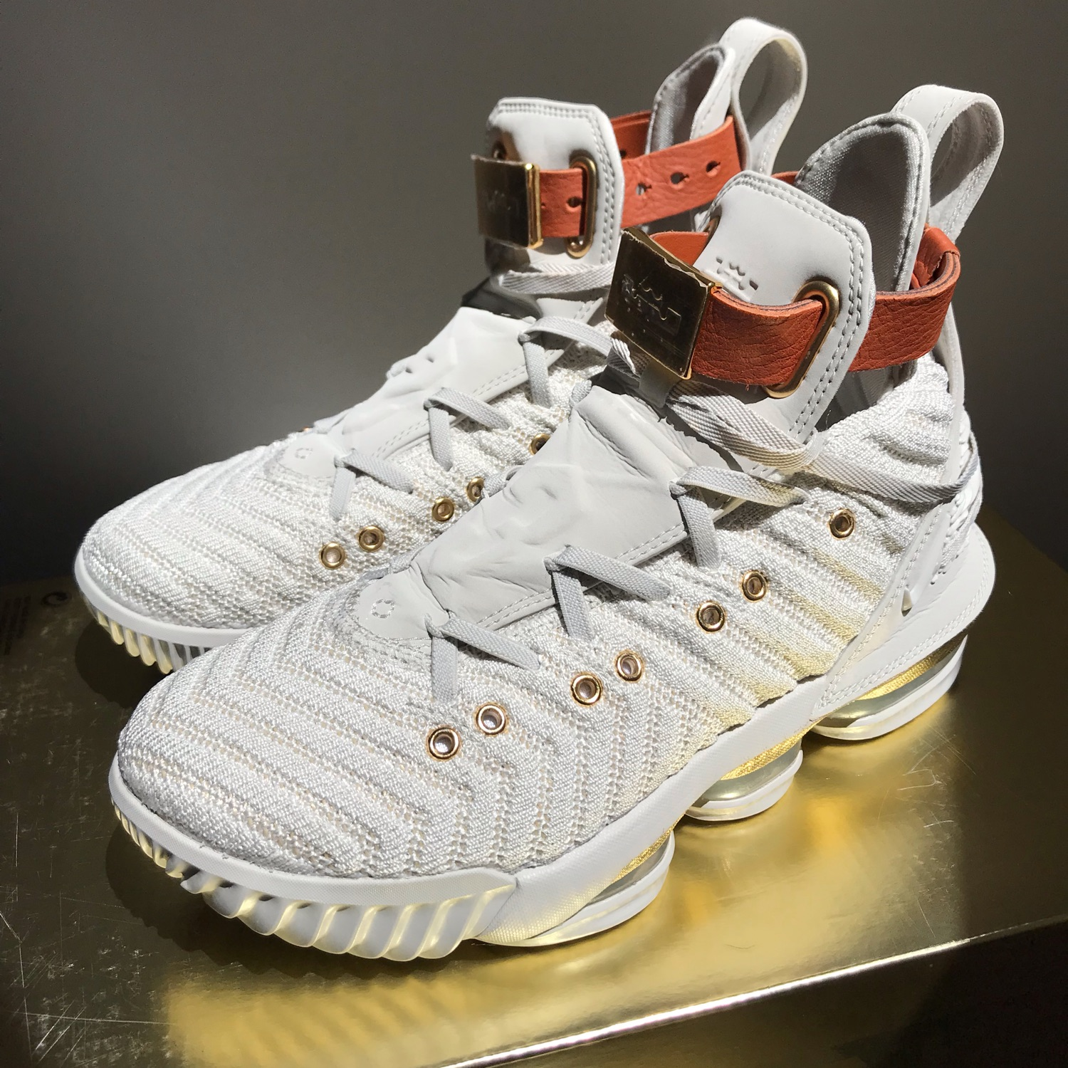 factory price 08a75 a417b Nike Lebron 16 Hfr Harlem Fashion Row Wmns